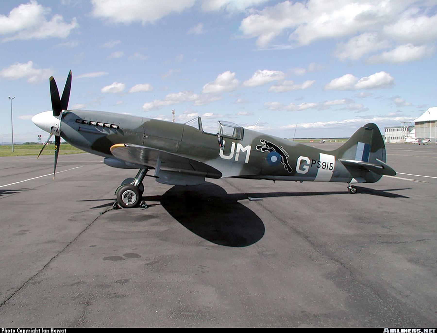 Airworthy Spitfire warbird PRXIX RAF 152Sqn UMG PS915 SEAC 1945 01