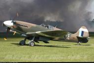 Asisbiz Airworthy Spitfire warbird PR19 PS890 as RAF 152Sqn UME 01