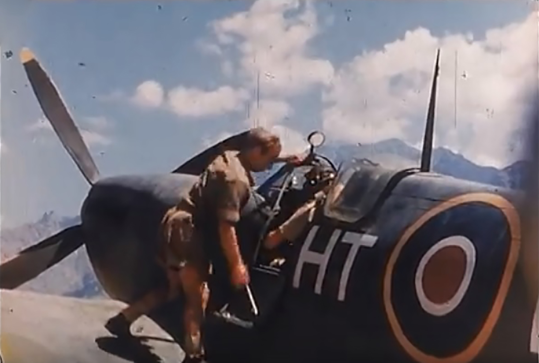 Spitfire LFIXc RAF 154Sqn HTE Corsica 1944 03