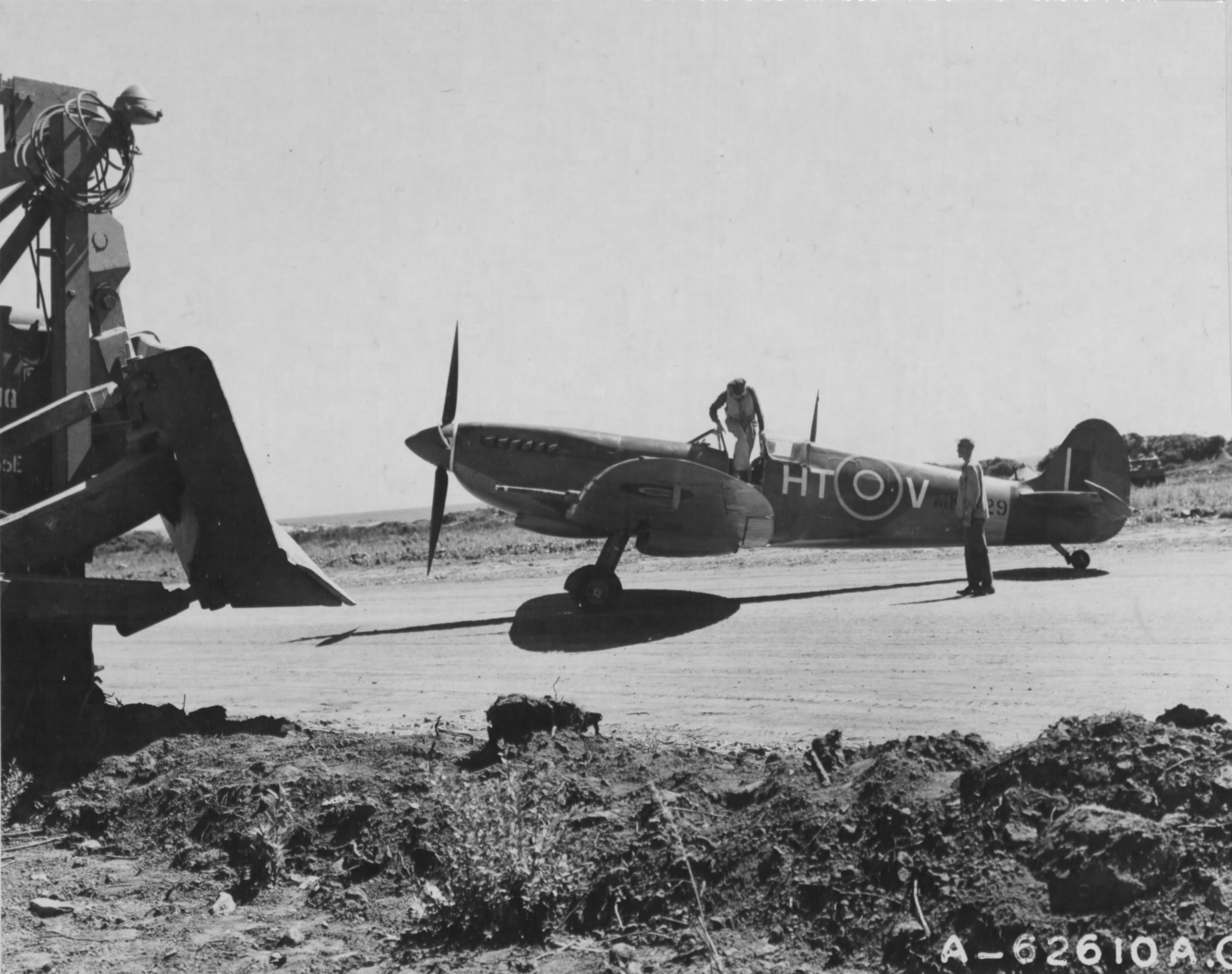 Spitfire LFIXc RAF 154Sqn HTV after landing Corsica 1944 02