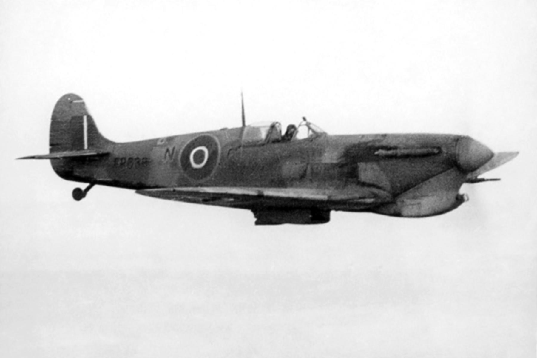 Spitfire MkVbTrop RAF 154Sqn NP ER638 FSgt Harold Groombridge North Africa Apr 1943 01