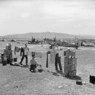 Asisbiz Spitfire MkVbTrop RAF 154Sqn HTE ER676 at Souk el Khemis Tunisia IWM CNA565