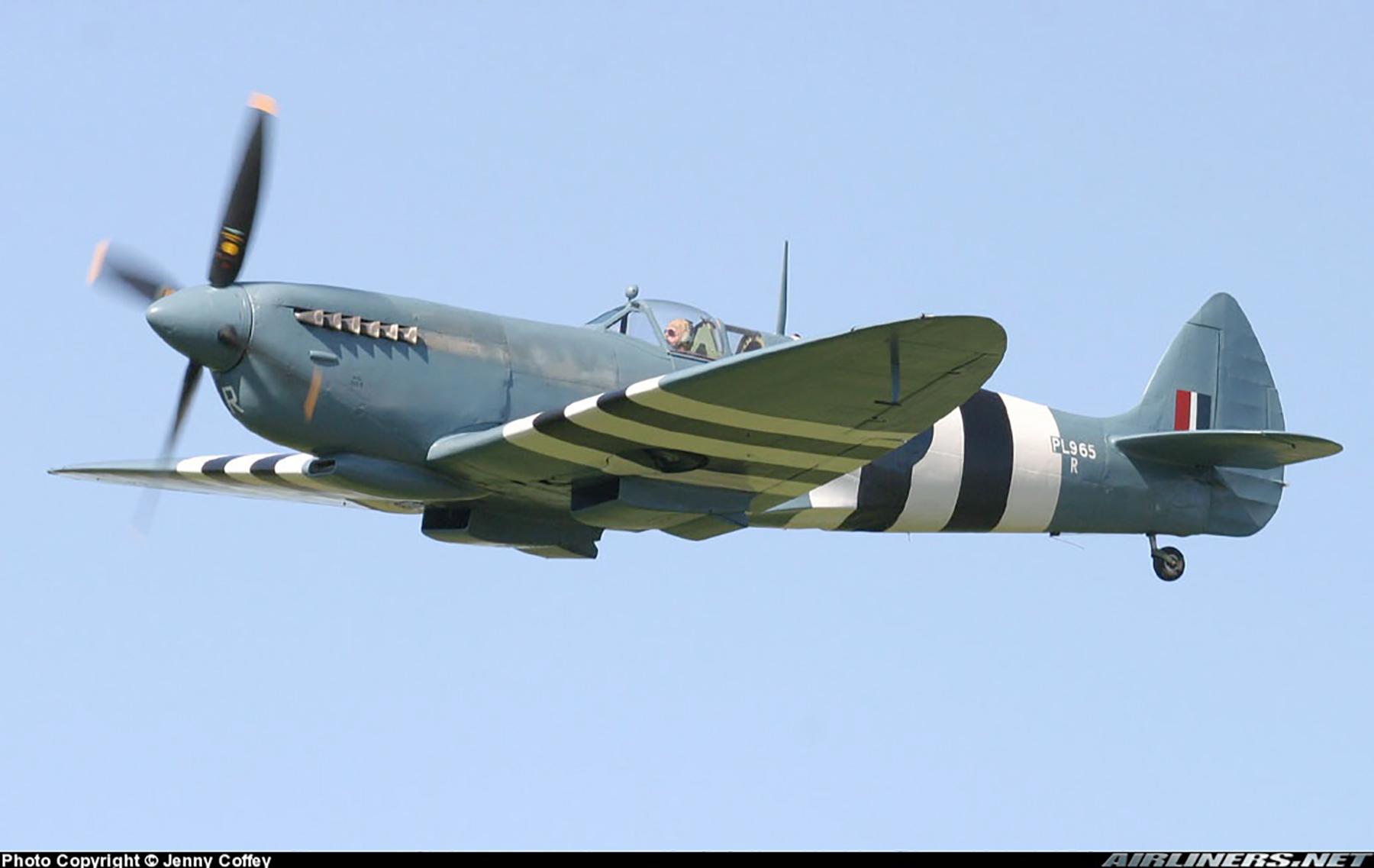 Airworthy Spitfire warbird PRXI RAF 16Sqn R PL965 02