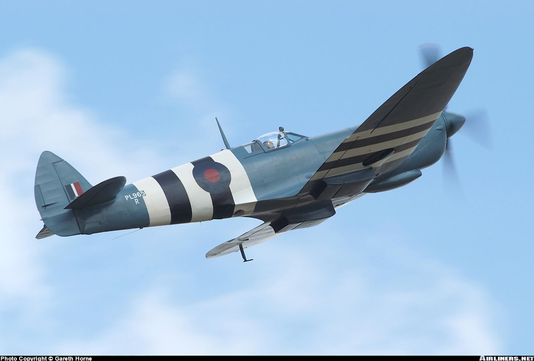 Airworthy Spitfire warbird PRXI RAF 16Sqn R PL965 05