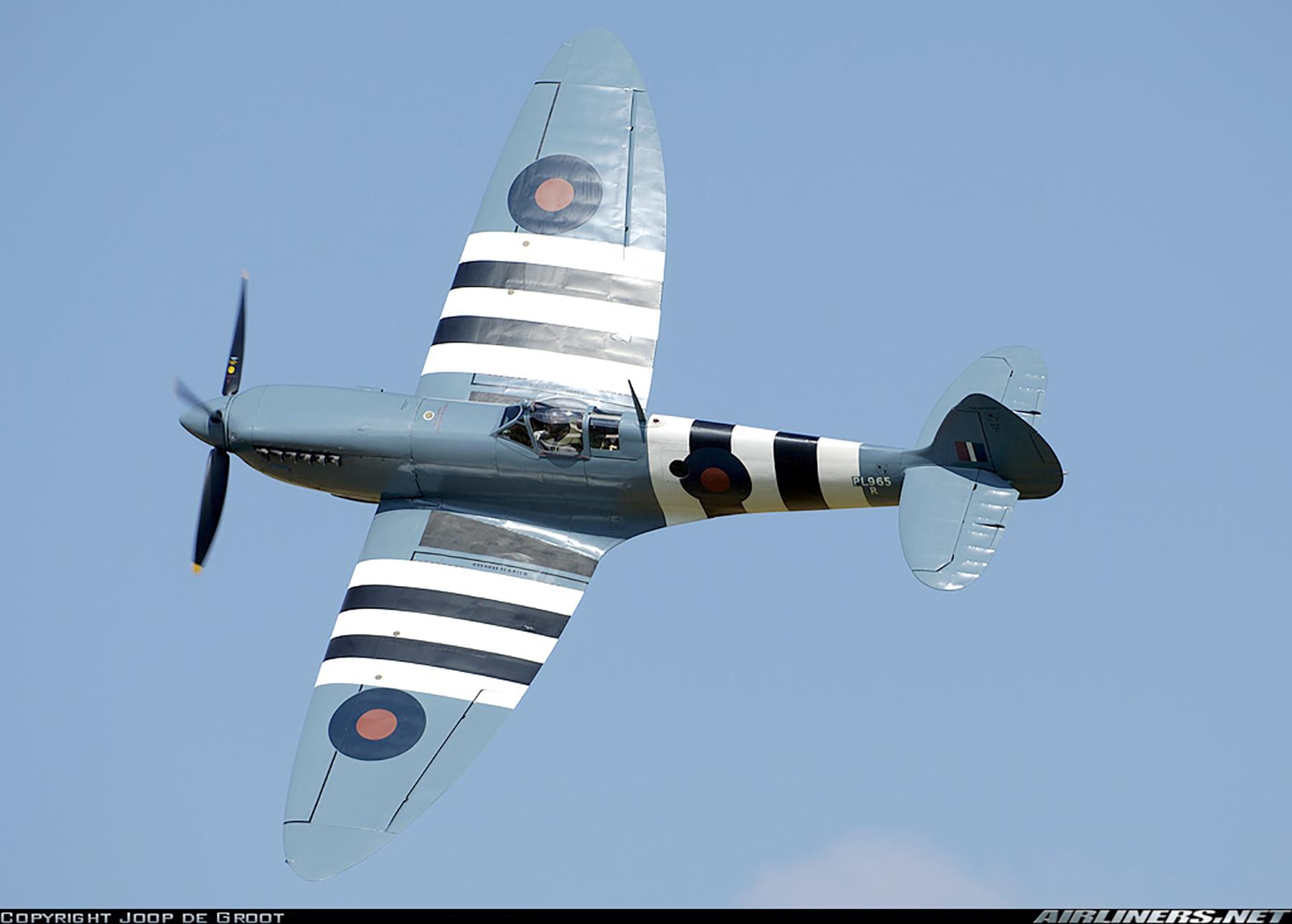 Airworthy Spitfire warbird PRXI RAF 16Sqn R PL965 24