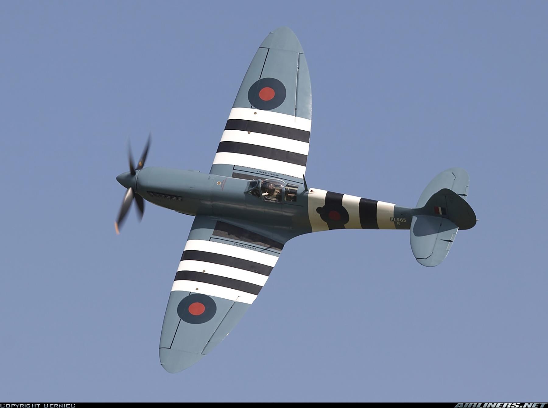 Airworthy Spitfire warbird PRXI RAF 16Sqn R PL965 26