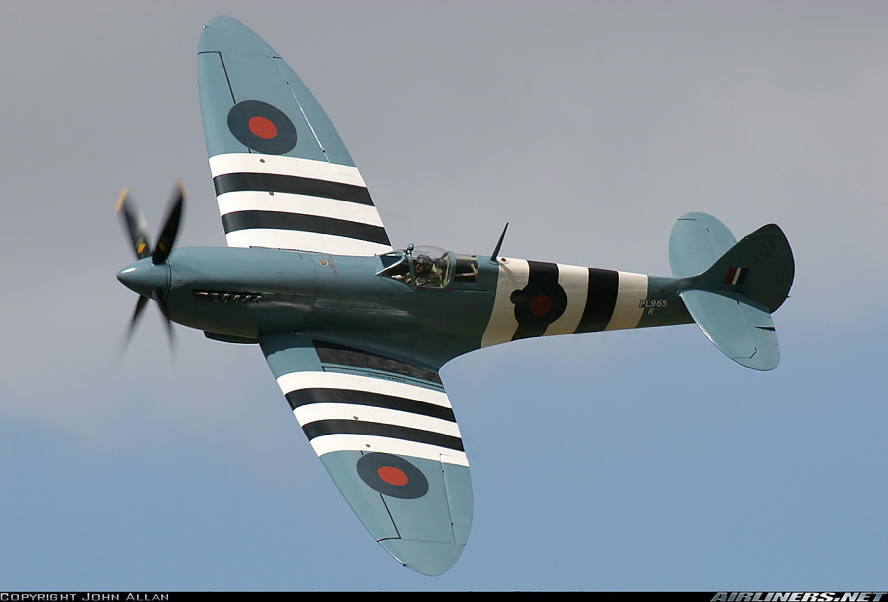 Airworthy Spitfire warbird PRXI RAF 16Sqn R PL965 31