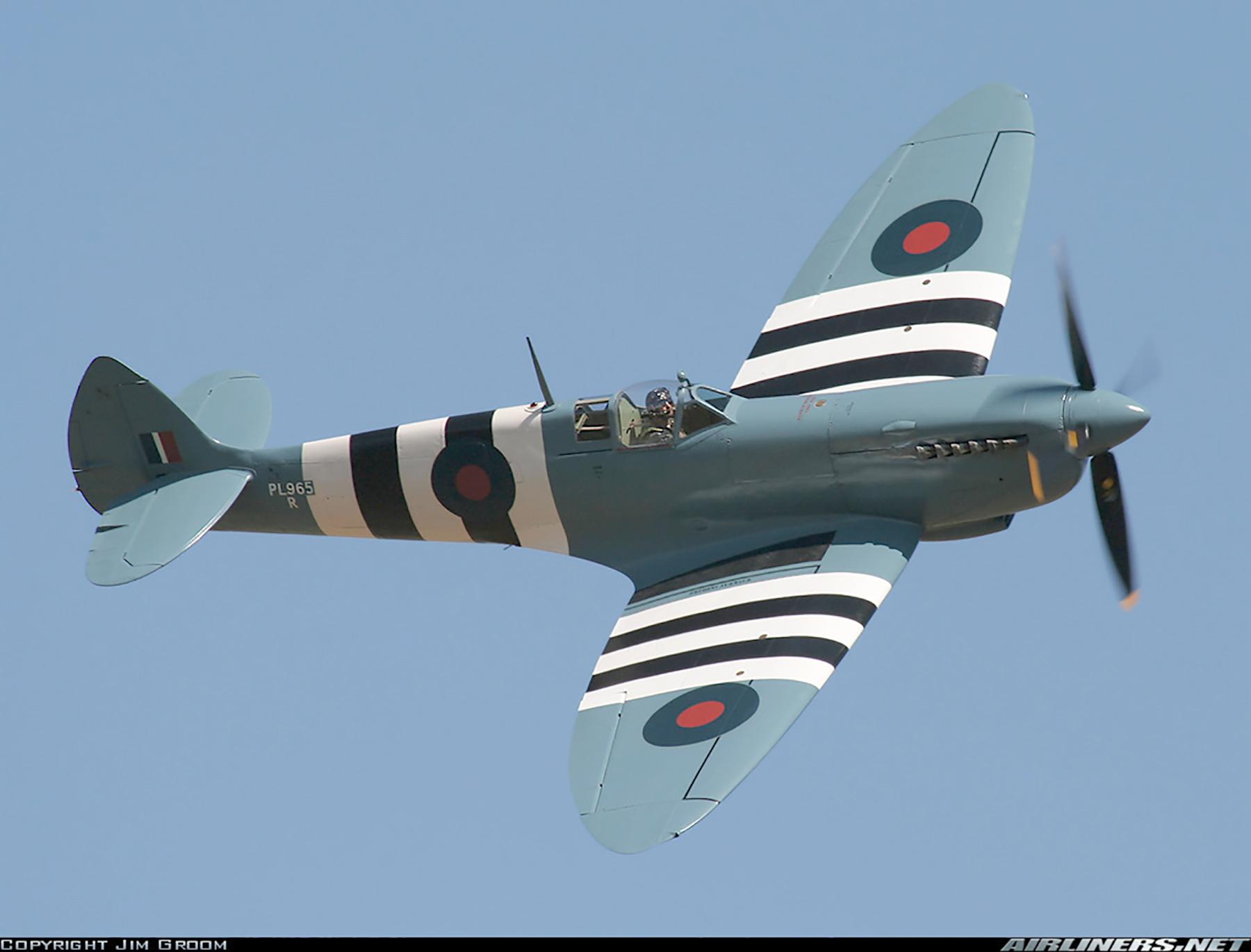 Airworthy Spitfire warbird PRXI RAF 16Sqn R PL965 32