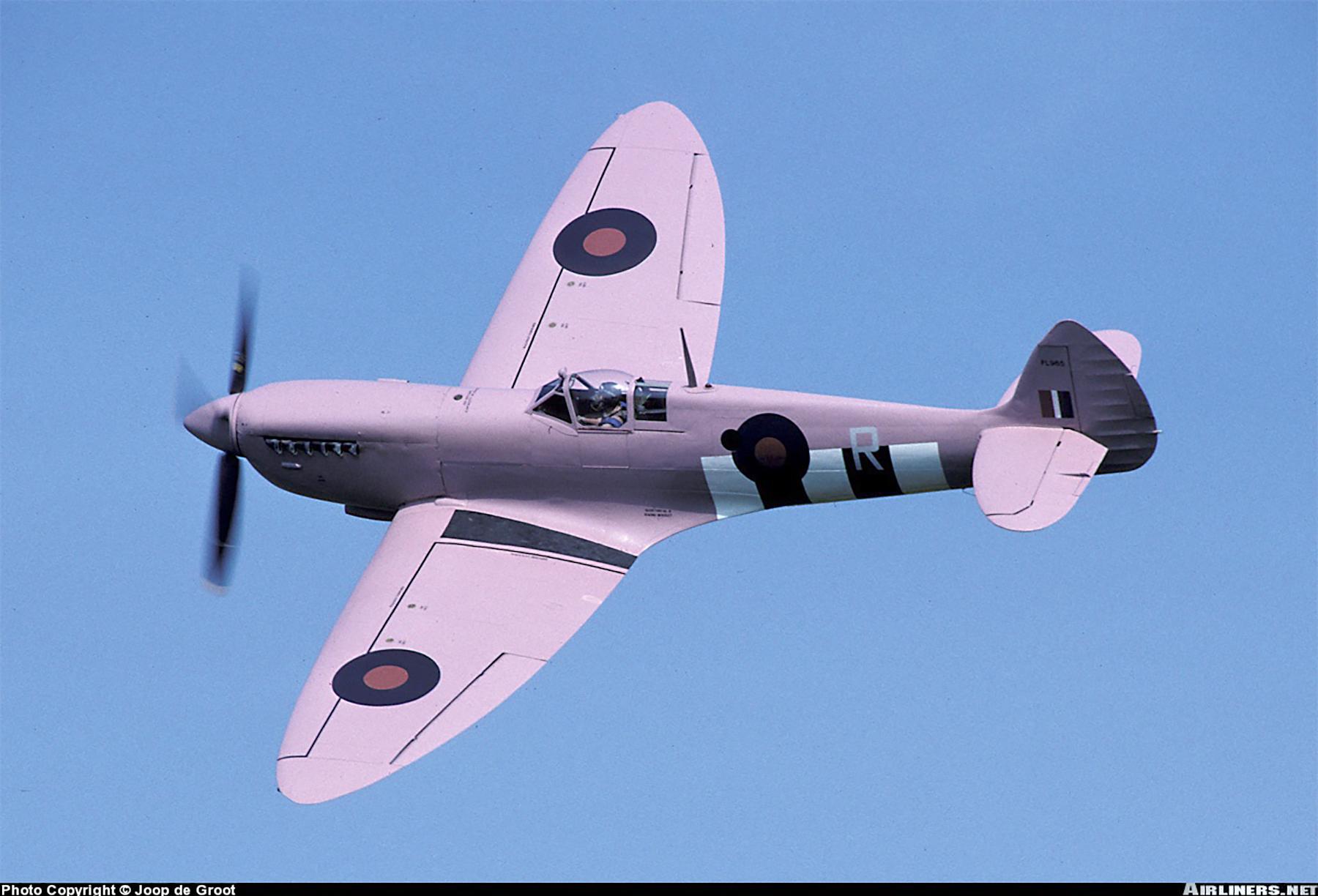 Airworthy Spitfire warbird PRXI RAF 16Sqn R PL965 desert 01