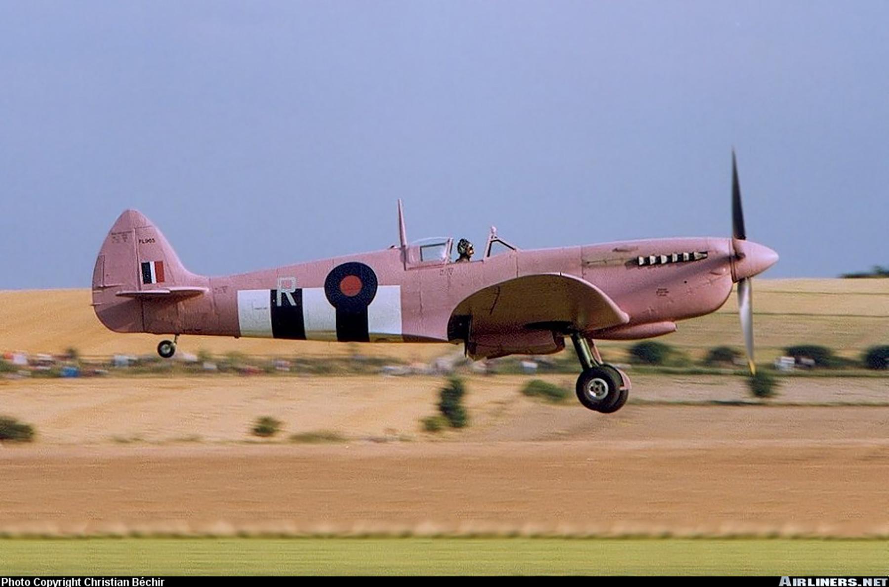 Airworthy Spitfire warbird PRXI RAF 16Sqn R PL965 desert 02