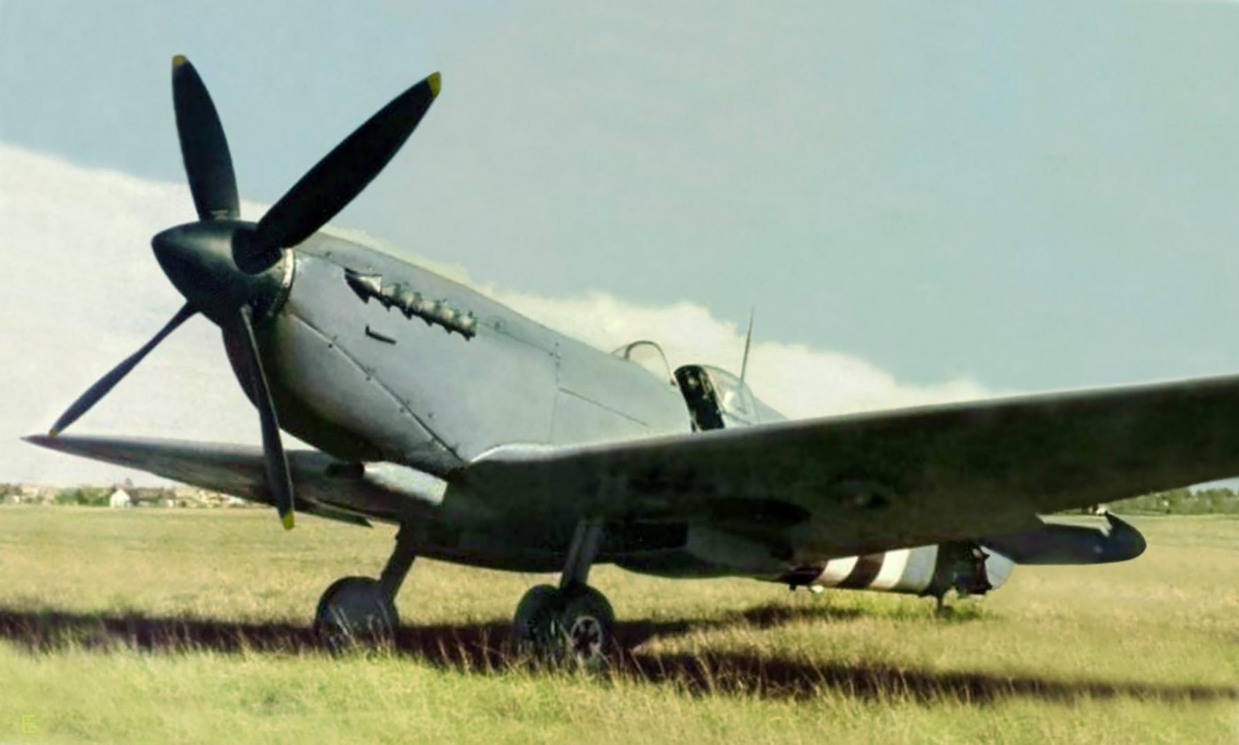 Spitfire PRXI RAF 16Sqn at Melsbroek Belguim 1944 01