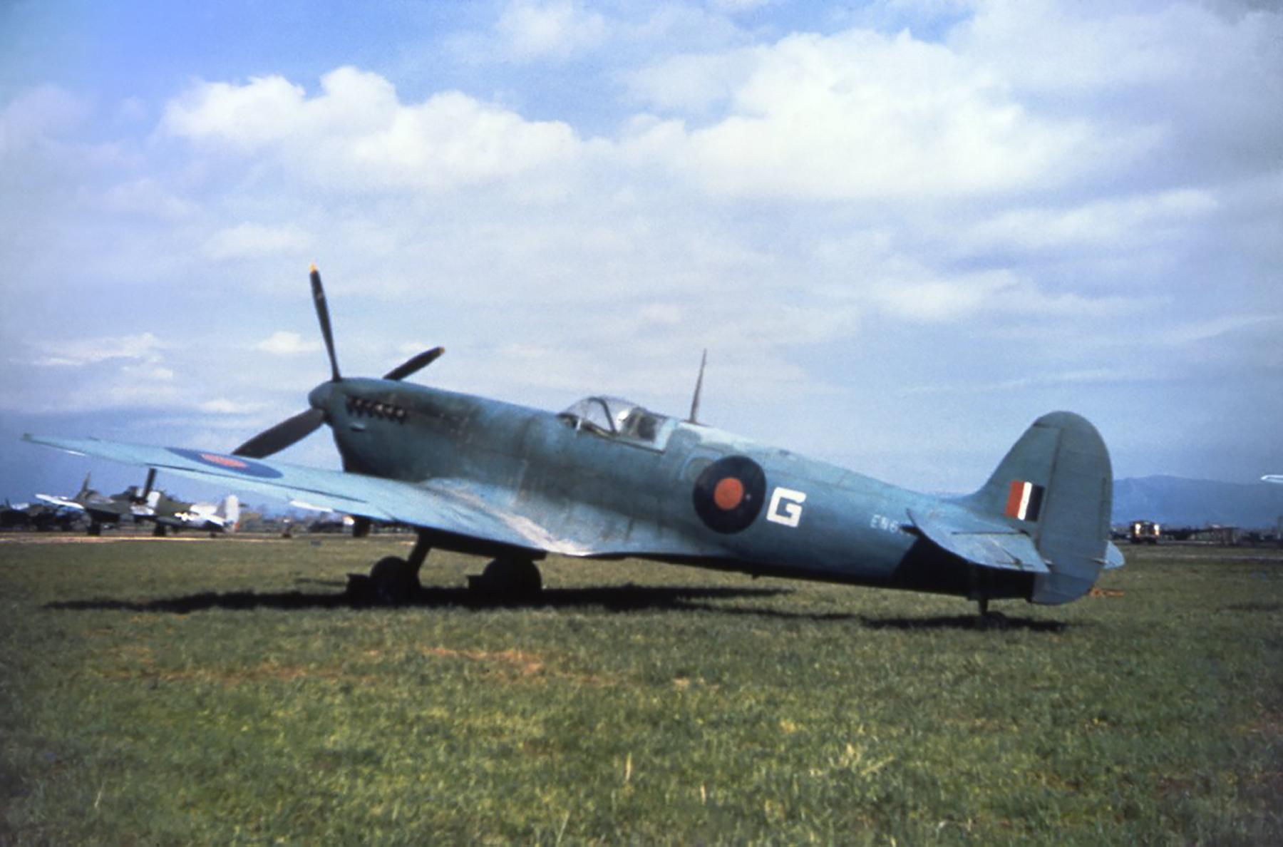 Spitfire PRXI RAF Benson G 01