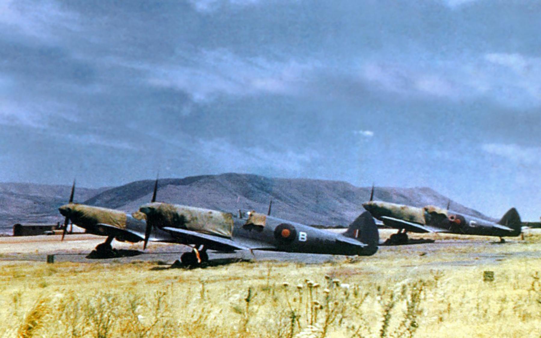 Spitfire PRXI RAF San Savero Italy 1944 01