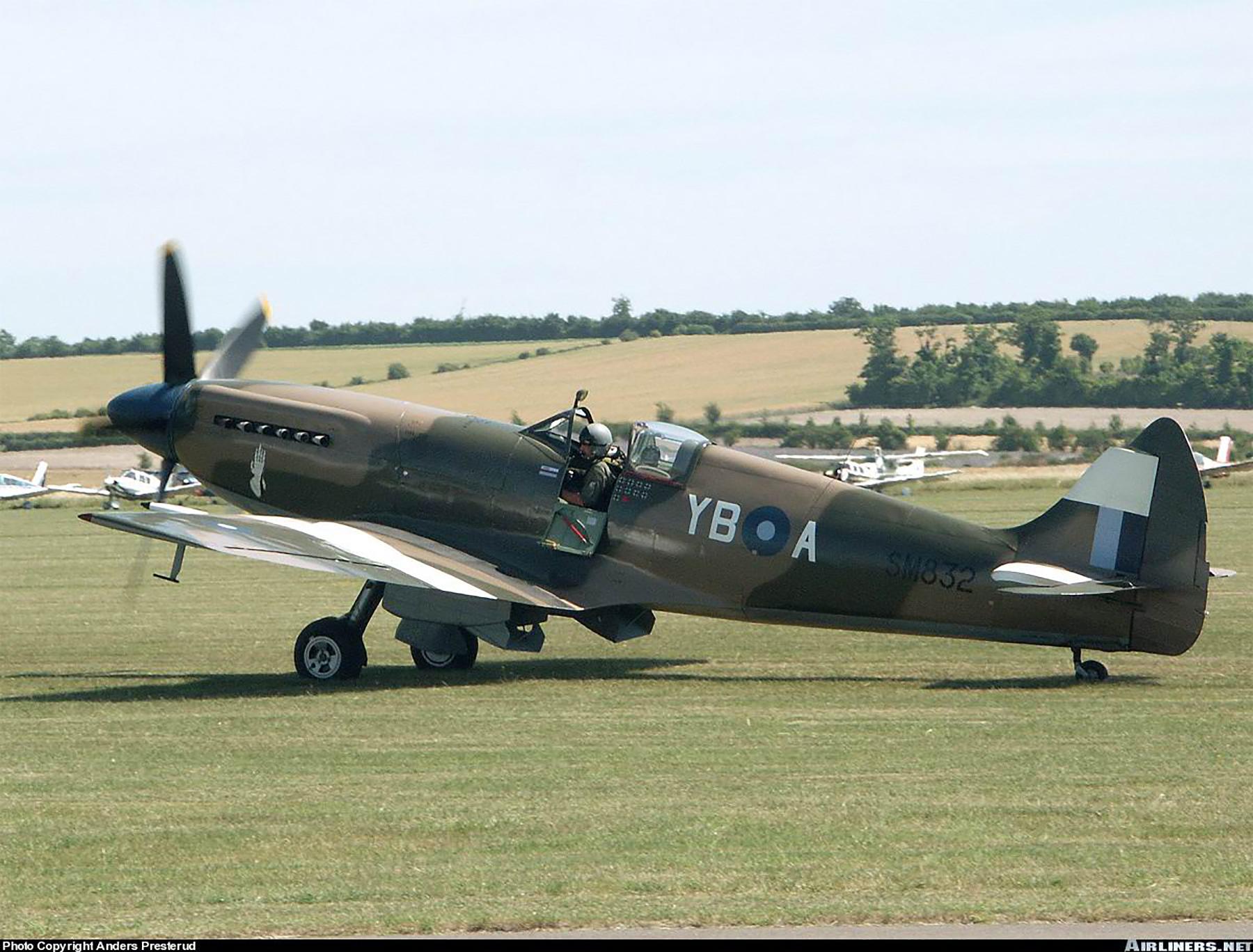 Airworthy Spitfire warbird RAF 17Sqn YBA SM832 04