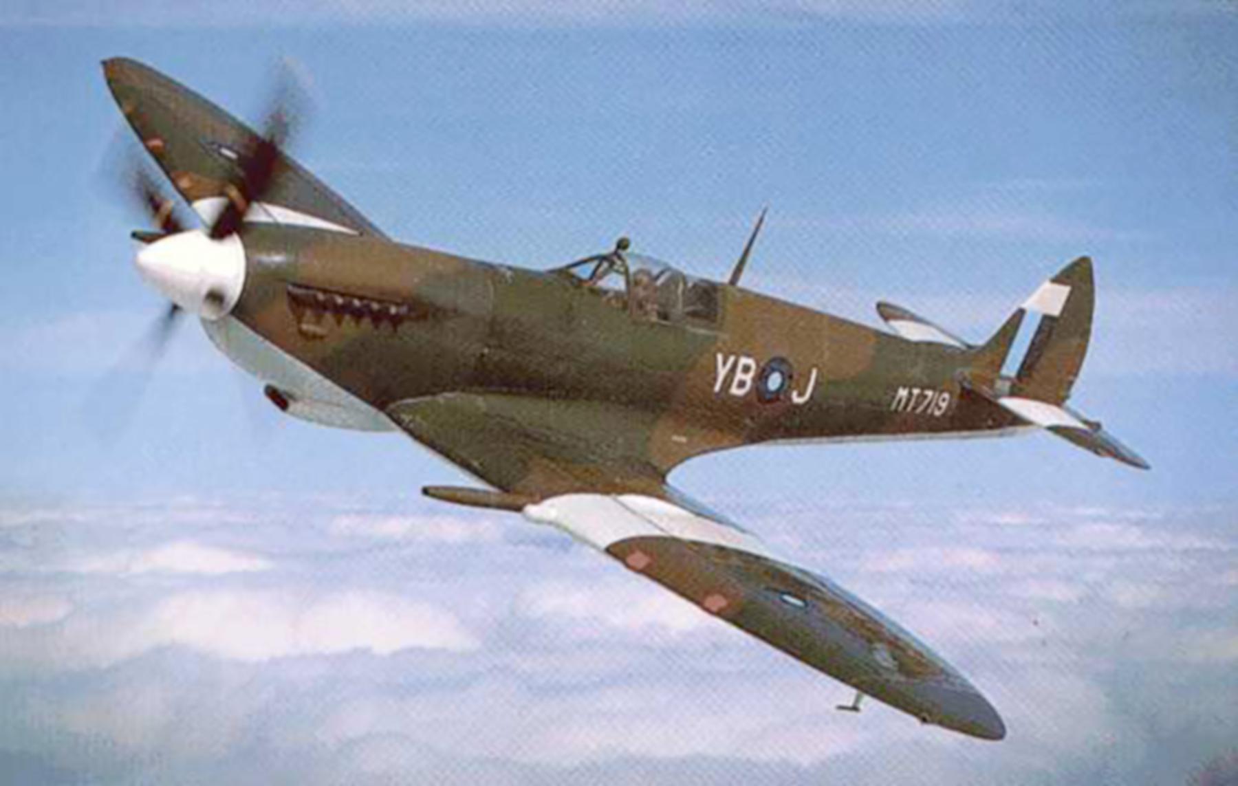 Airworthy Spitfire warbird RAF 17Sqn YBJ MT719 01