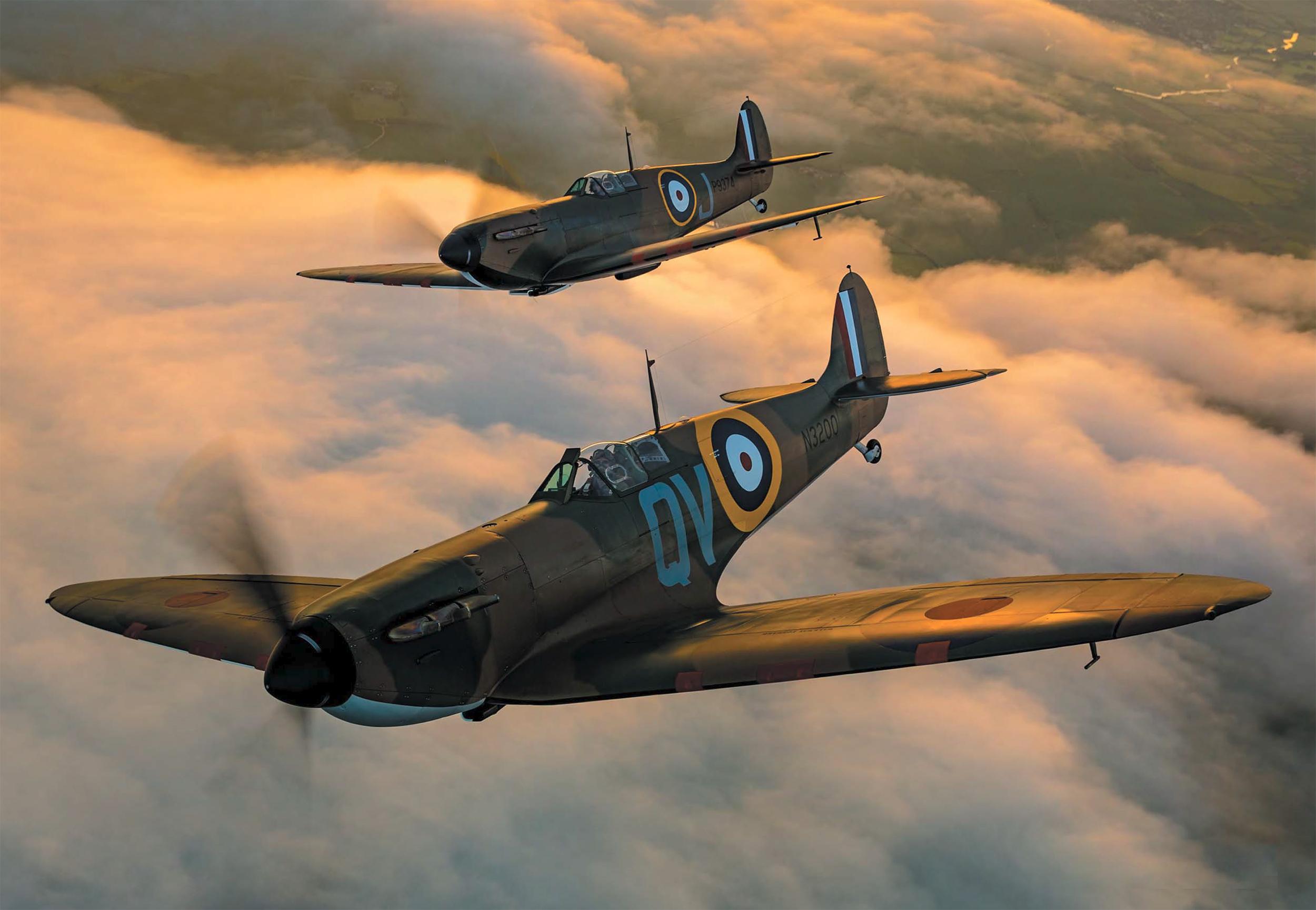 Airworthy Spitfire warbird MkI RAF 19Sqn QV N3200 and P9374 Aeroplane Sept 2015 02