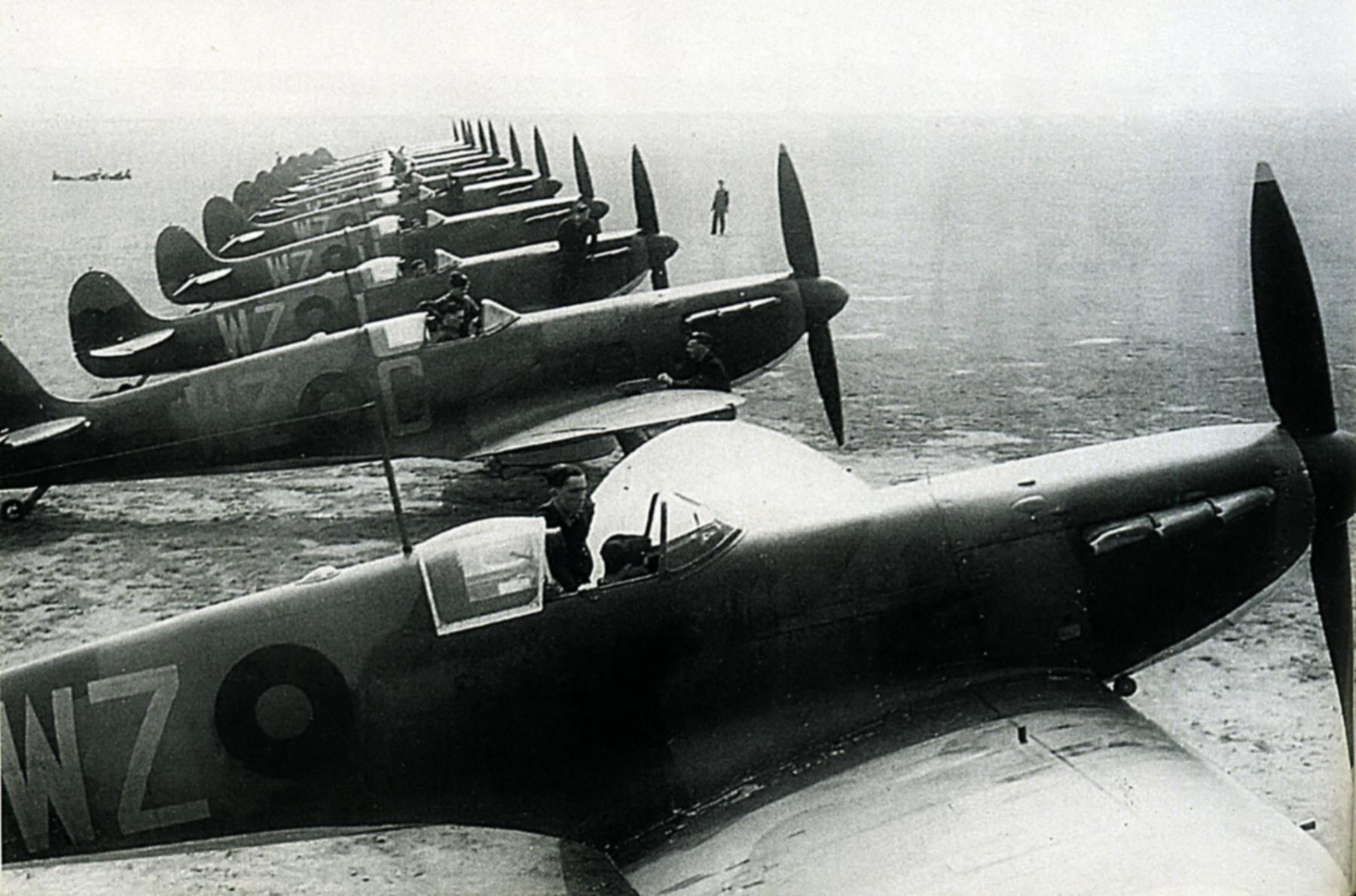 Spitfire MkI RAF 19Sqn WZC England May 1938 01