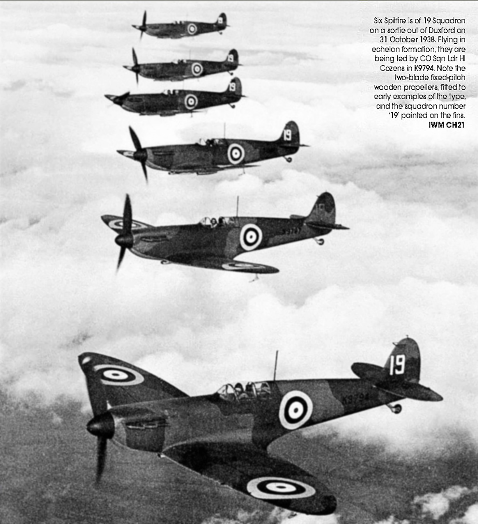 Spitfire MkI RAF 19Sqn White 19 K9794 and K9797 England 1938 01