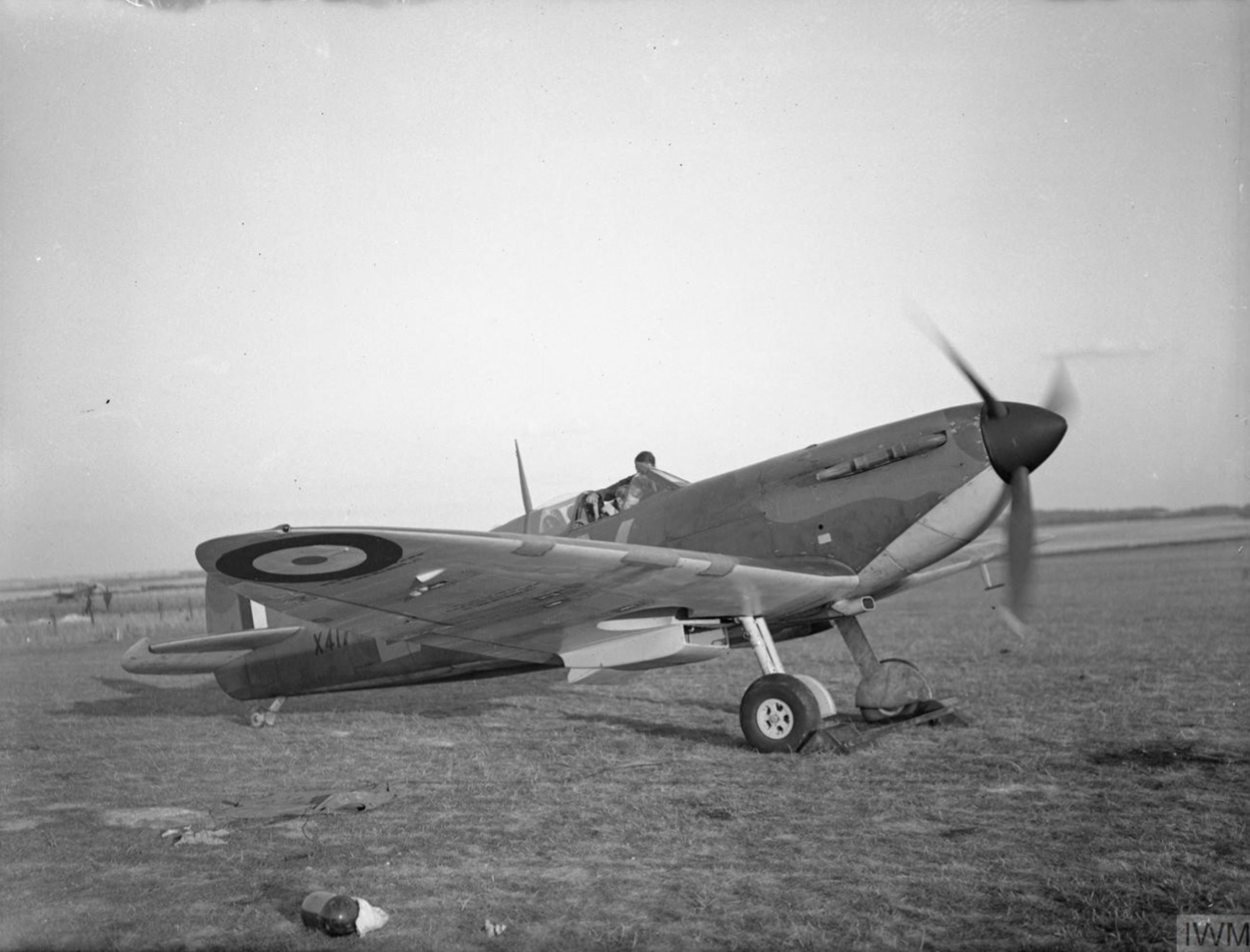 Spitfire MkIa RAF 19Sqn QVB X4179 at Fowlmere Cambridgeshire IWM CH1447