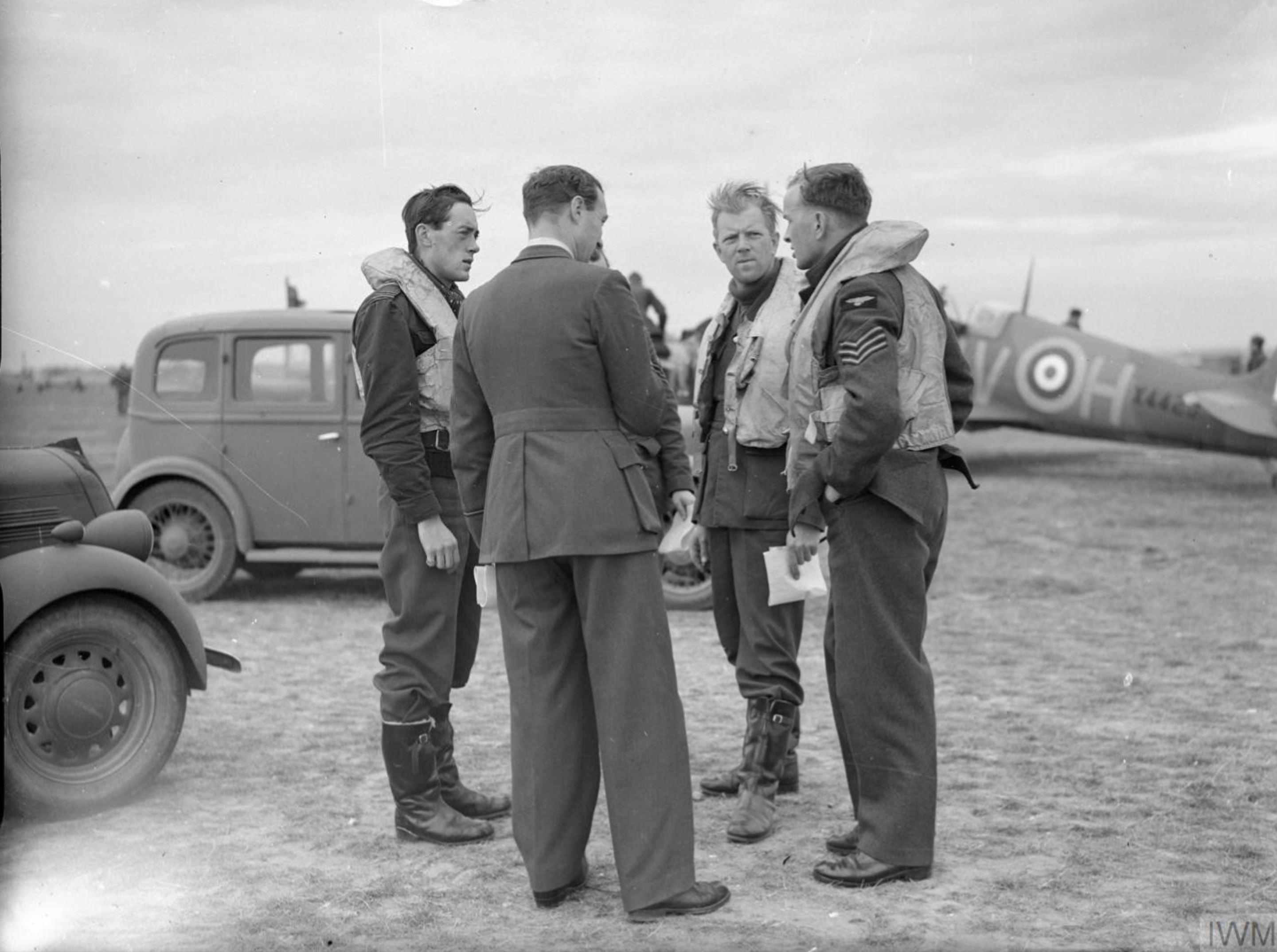 Spitfire MkIa RAF 19Sqn QVH X4425 at Fowlmere Cambridgeshire IWM CH1371