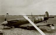 Asisbiz Spitfire MkIIa RAF 19Sqn QVX force landed Holland 1940 ebay 01