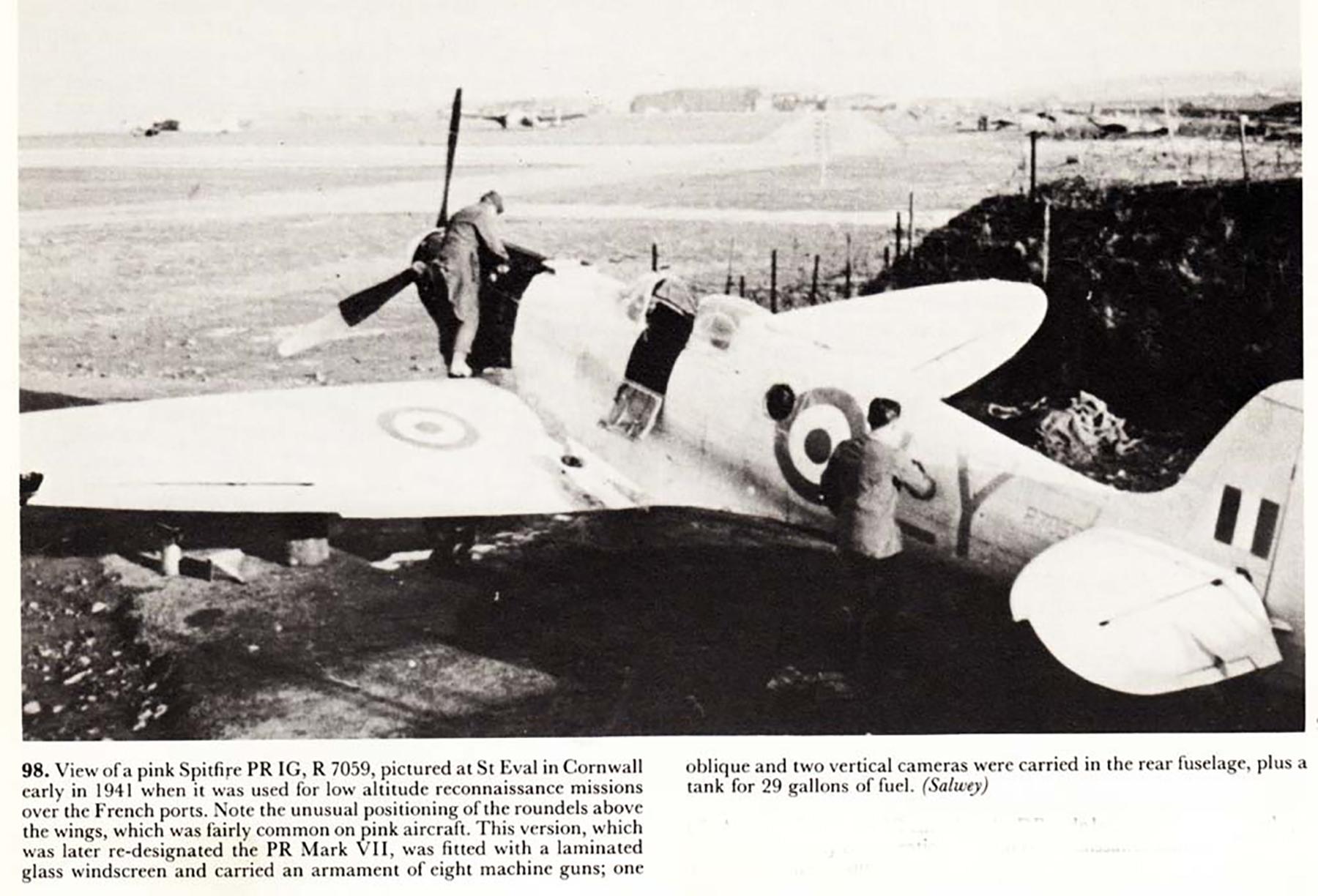 Spitfire PRIG RAF 1PRU LY R7059 St Eval Cornwall England 1941 01