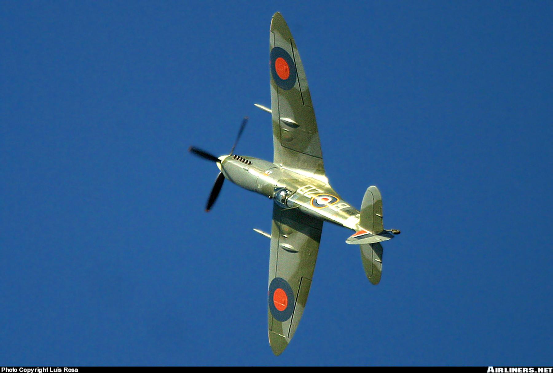 Airworthy Spitfire warbird RAF 222Sqn ZDB MH434 England 06