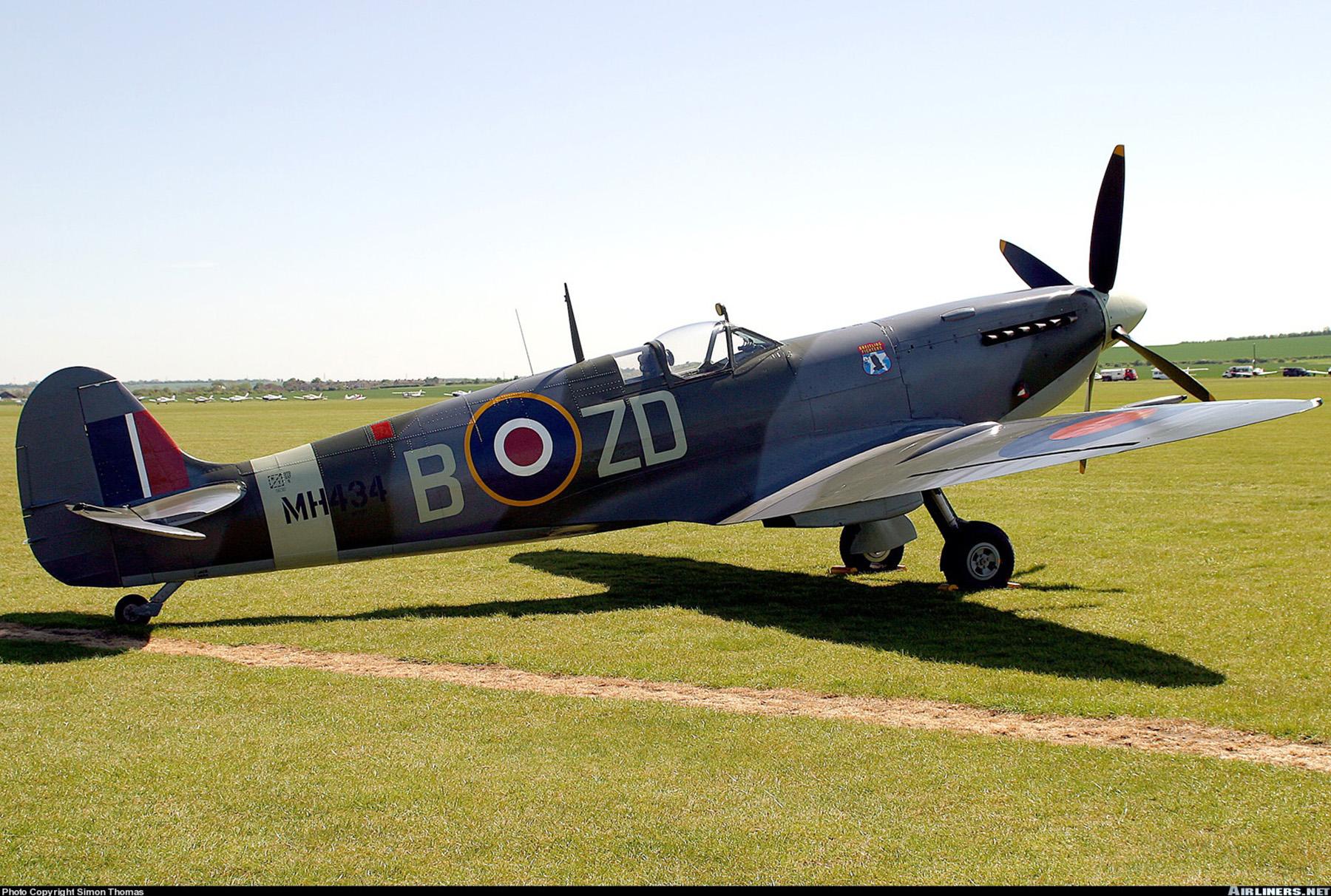 Airworthy Spitfire warbird RAF 222Sqn ZDB MH434 England 19