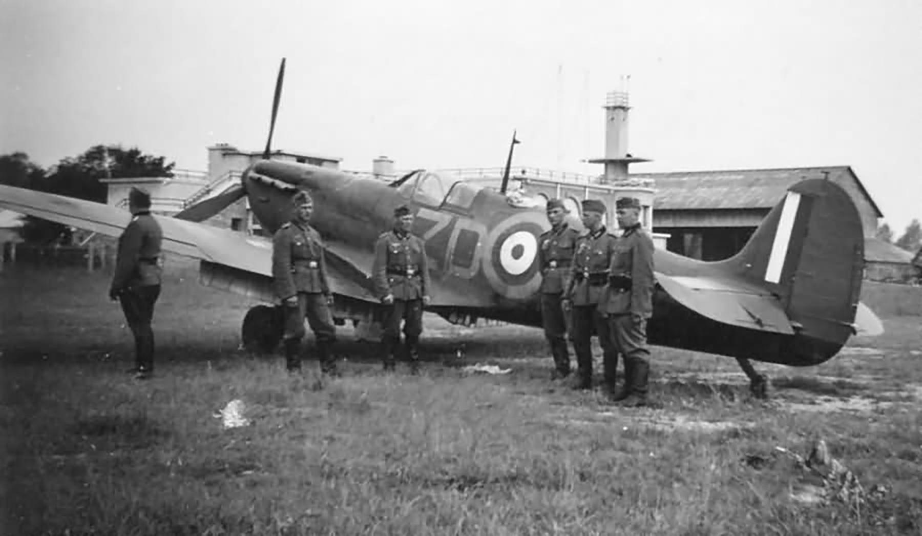 Spitfire MkIa RAF 222Sqn ZDA P9317 PO Falkust force landed Le Touquet Dunkerque 1st Jun 1940 03