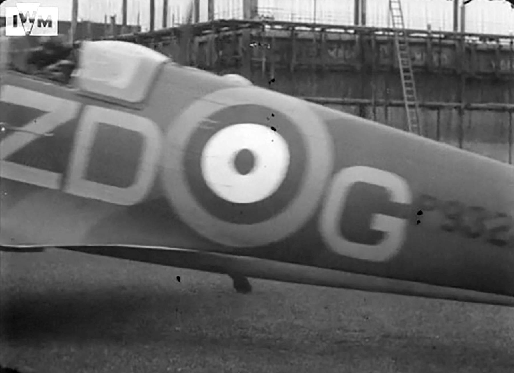 Spitfire MkIa RAF 222Sqn ZDG P9328 taking off from RAF Kirton in Lindsey Jun 1940 01