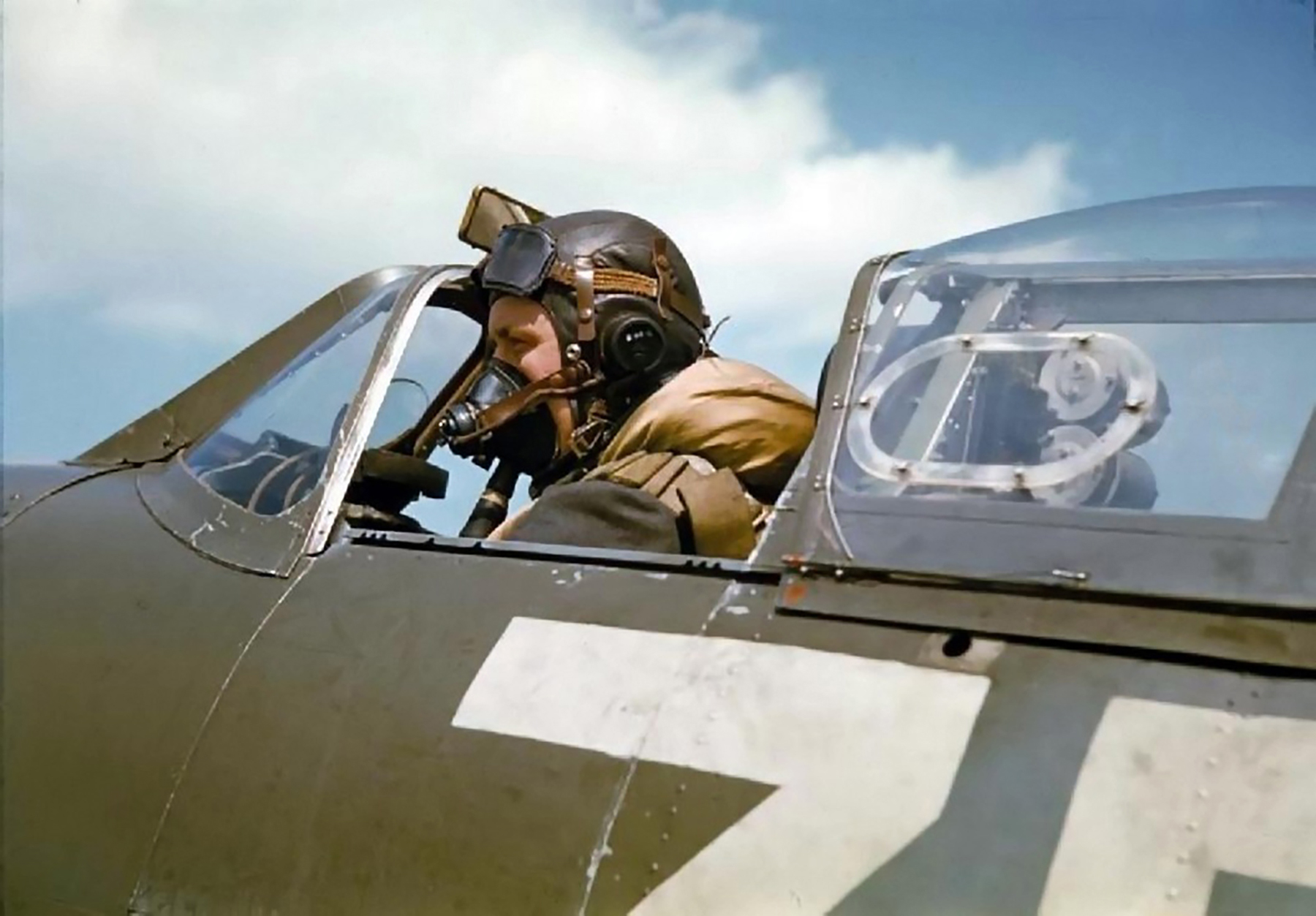 Spitfire MkVb RAF 222Sqn ZDH named Flying Scotsman BM202 Essex 25th May 1942 02