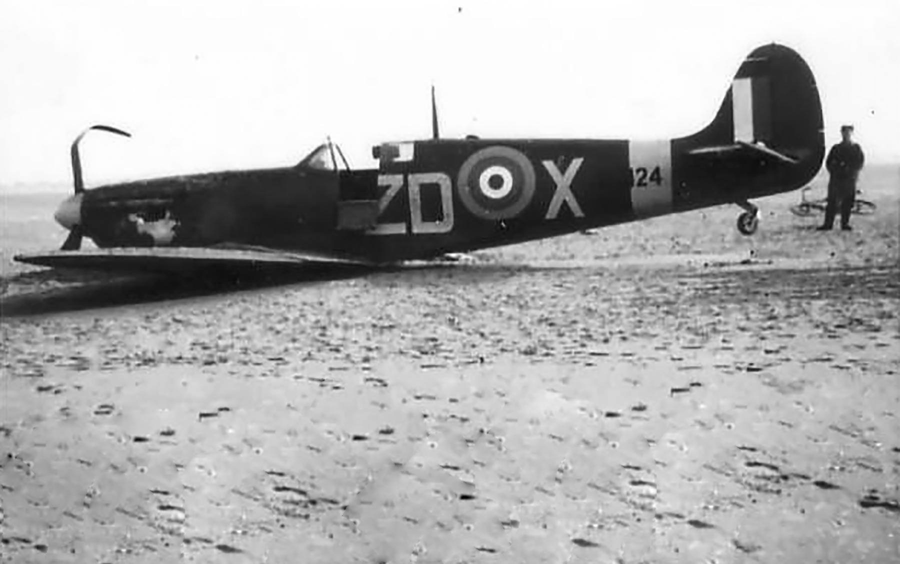 Spitfire MkVb RAF 222Sqn ZDX xx424 force landed 01