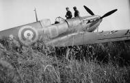 Asisbiz Spitfire MkIa RAF 222Sqn ZDA P9317 PO Falkust force landed Le Touquet Dunkerque 1st Jun 1940 04