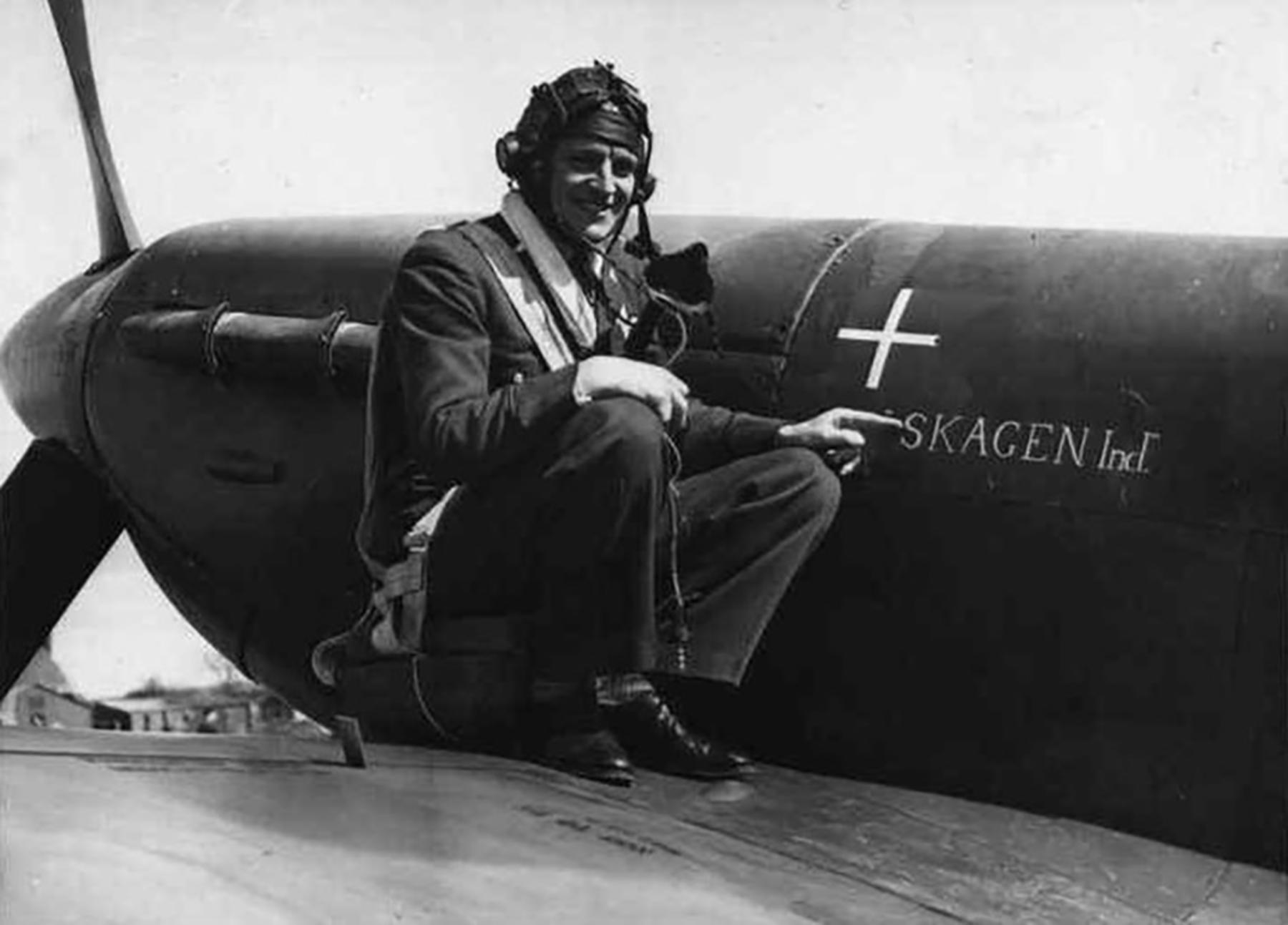 Spitfire MkVb RAF 234Sqn AZG Aksel Svendsen named Skagen Ind BL924 Ibsley Apr 1942 01