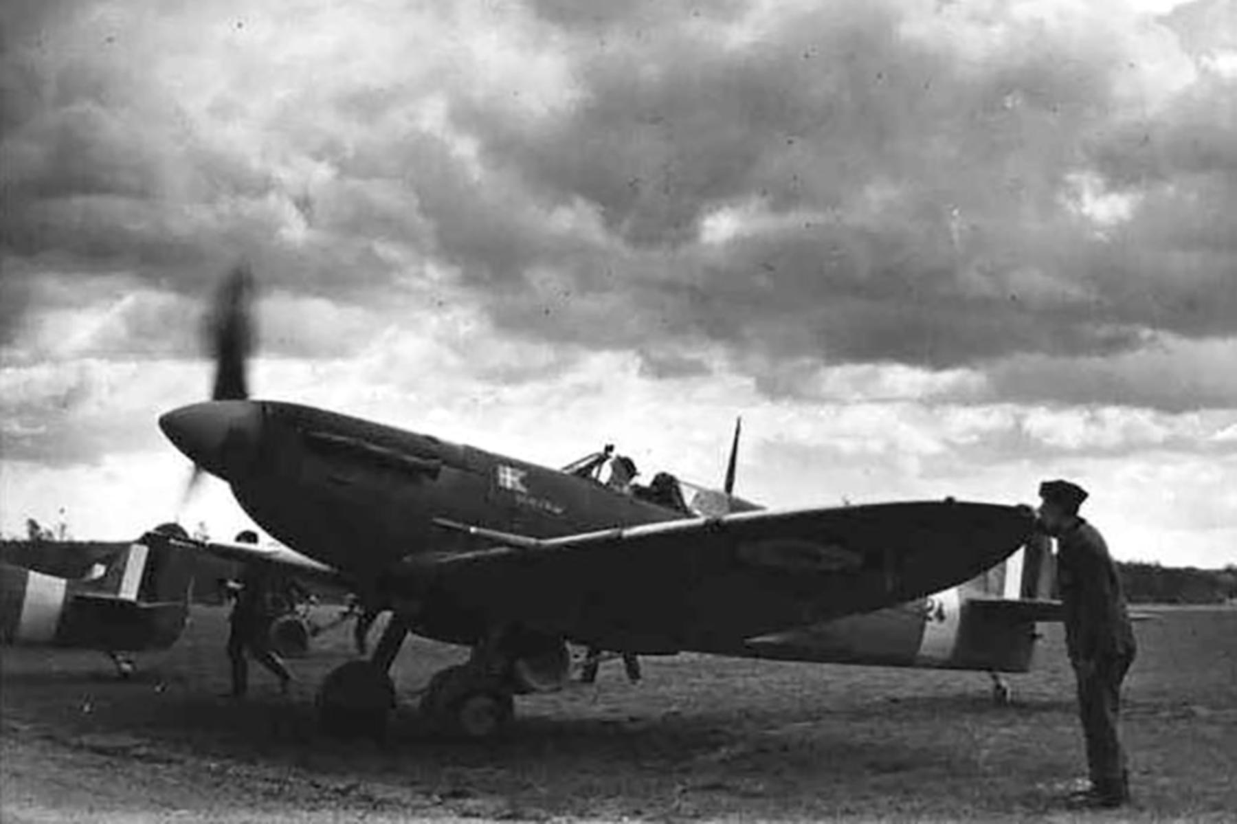 Spitfire MkVb RAF 234Sqn AZG Aksel Svendsen named Skagen Ind BL924 Ibsley Apr 1942 02