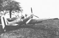 Asisbiz Spitfire MkIa RAF 234Sqn AZH Richard Hardy N3277 forced landed Cherbourg France Aug 15 1940 03