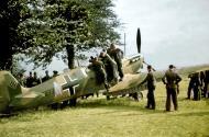 Asisbiz Spitfire MkIa RAF 234Sqn AZH Richard Hardy N3277 forced landed Cherbourg France Aug 15 1940 06