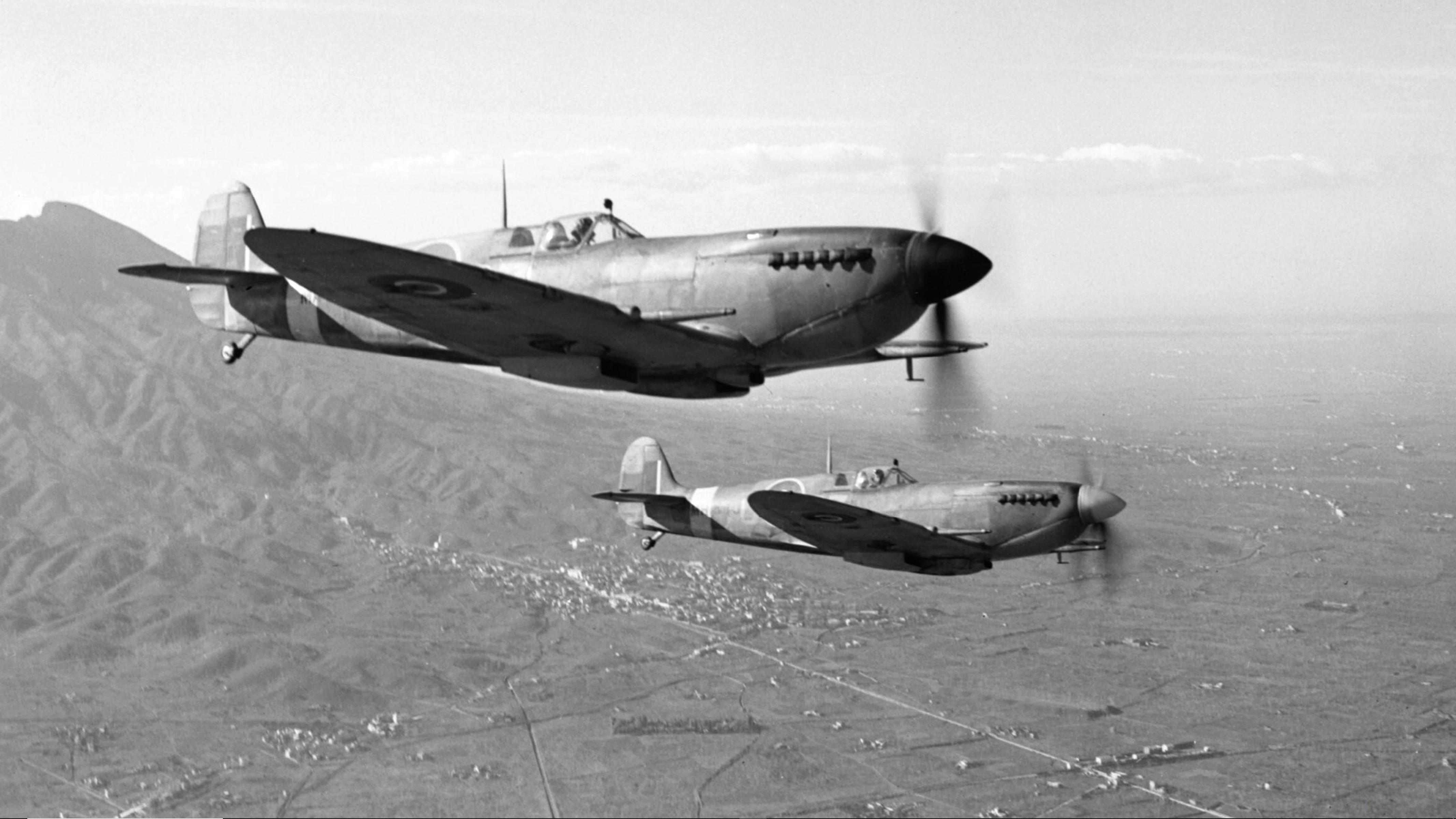 Spitfire MkIXe RAF 241Sqn RZR MA425 RZU MH635 over the Anzio beachhead Italy 1943 IWM CNA2499a