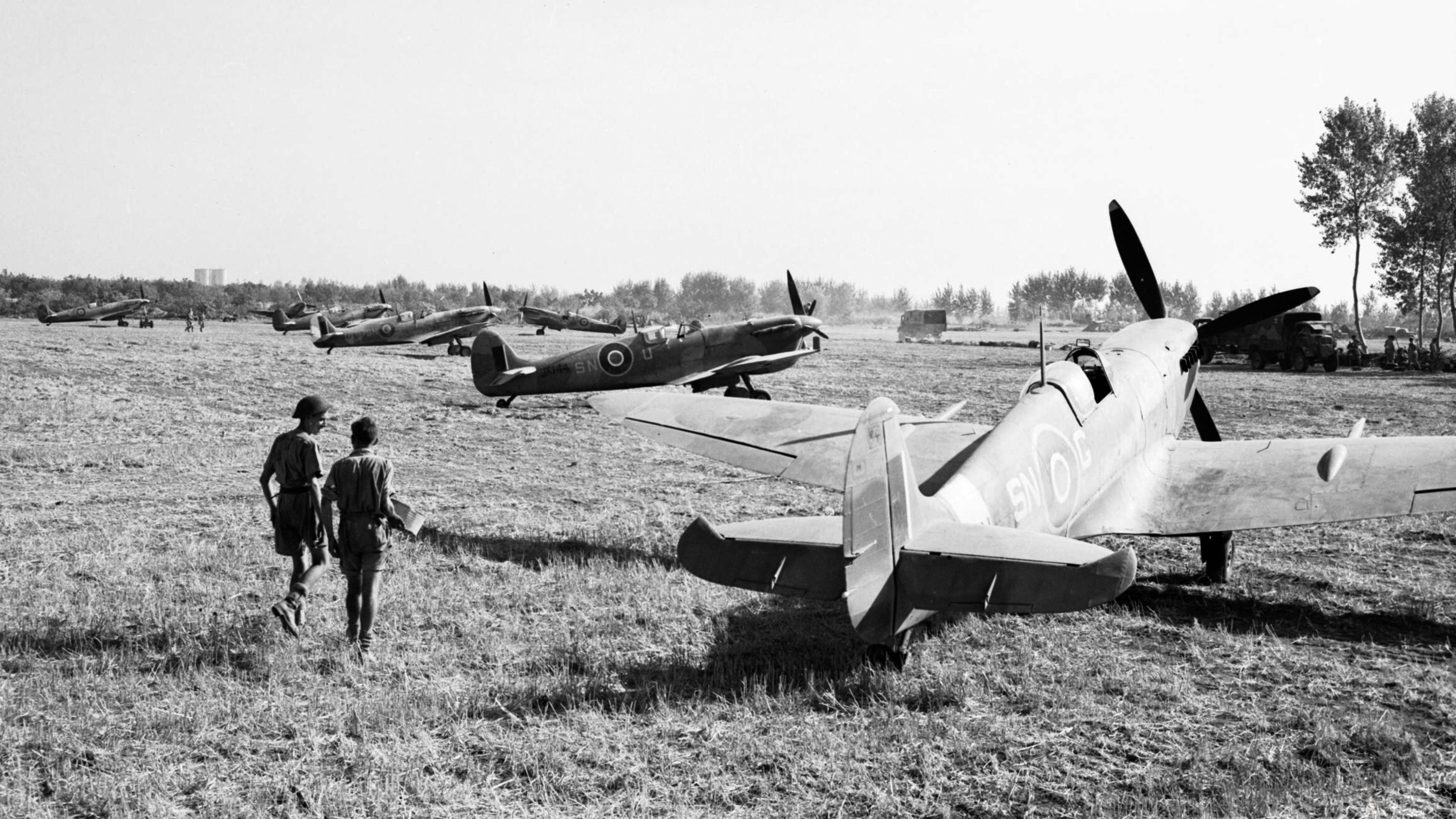 Spitfire Vc RAF 243Sqn SNG SNU at Tusciano landing ground Salerno IWM CNA1425a