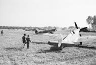Asisbiz Spitfire Vc RAF 243Sqn SNG SNU JK144 at Tusciano landing ground Salerno IWM CNA1425