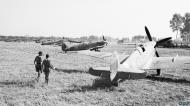 Asisbiz Spitfire Vc RAF 243Sqn SNG SNU JK144 at Tusciano landing ground Salerno IWM CNA1425a