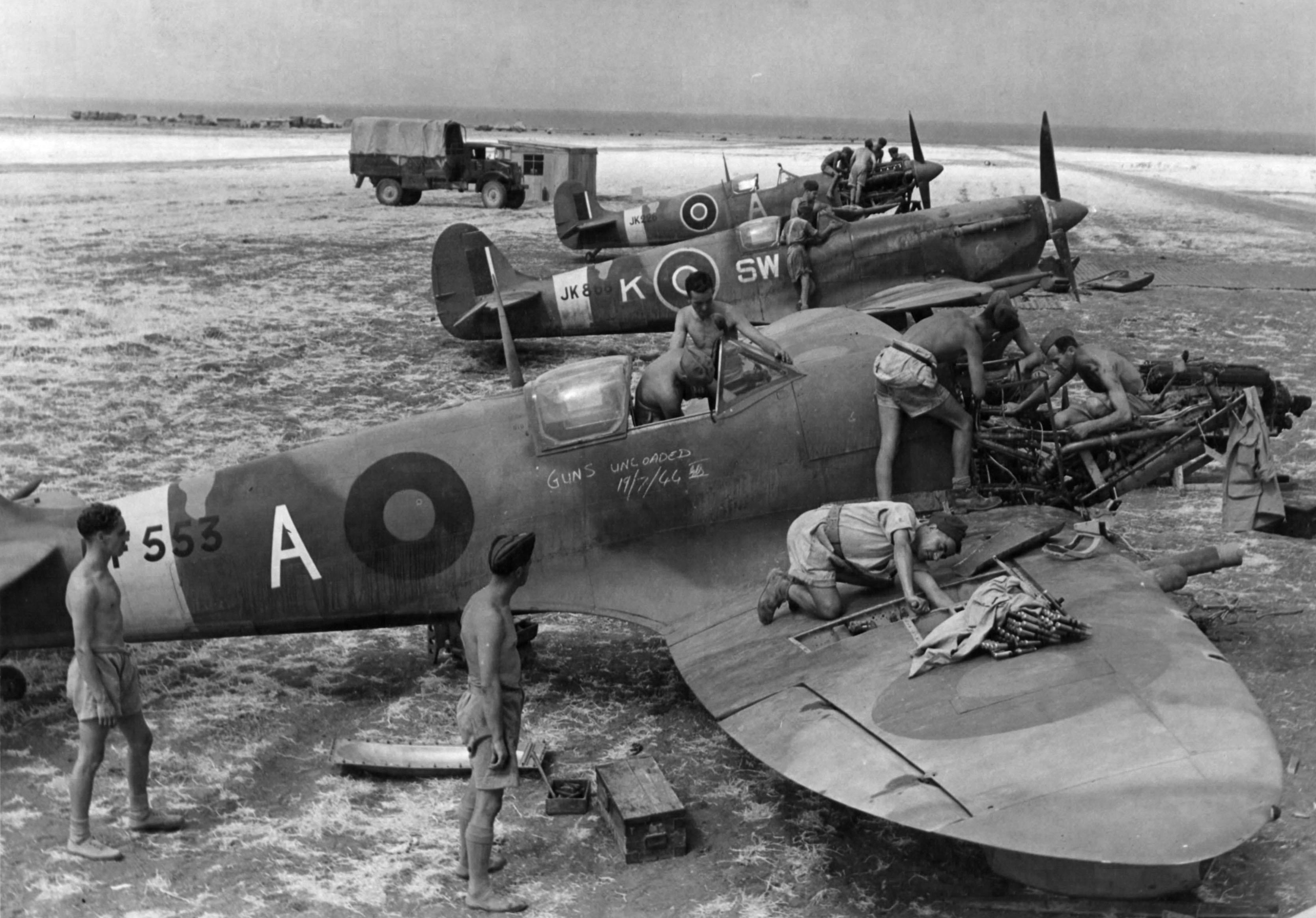 Spitfire MkVcTrop RAF 253Sqn SWK undergoing repairs JK868 Italy July 19 1944 02