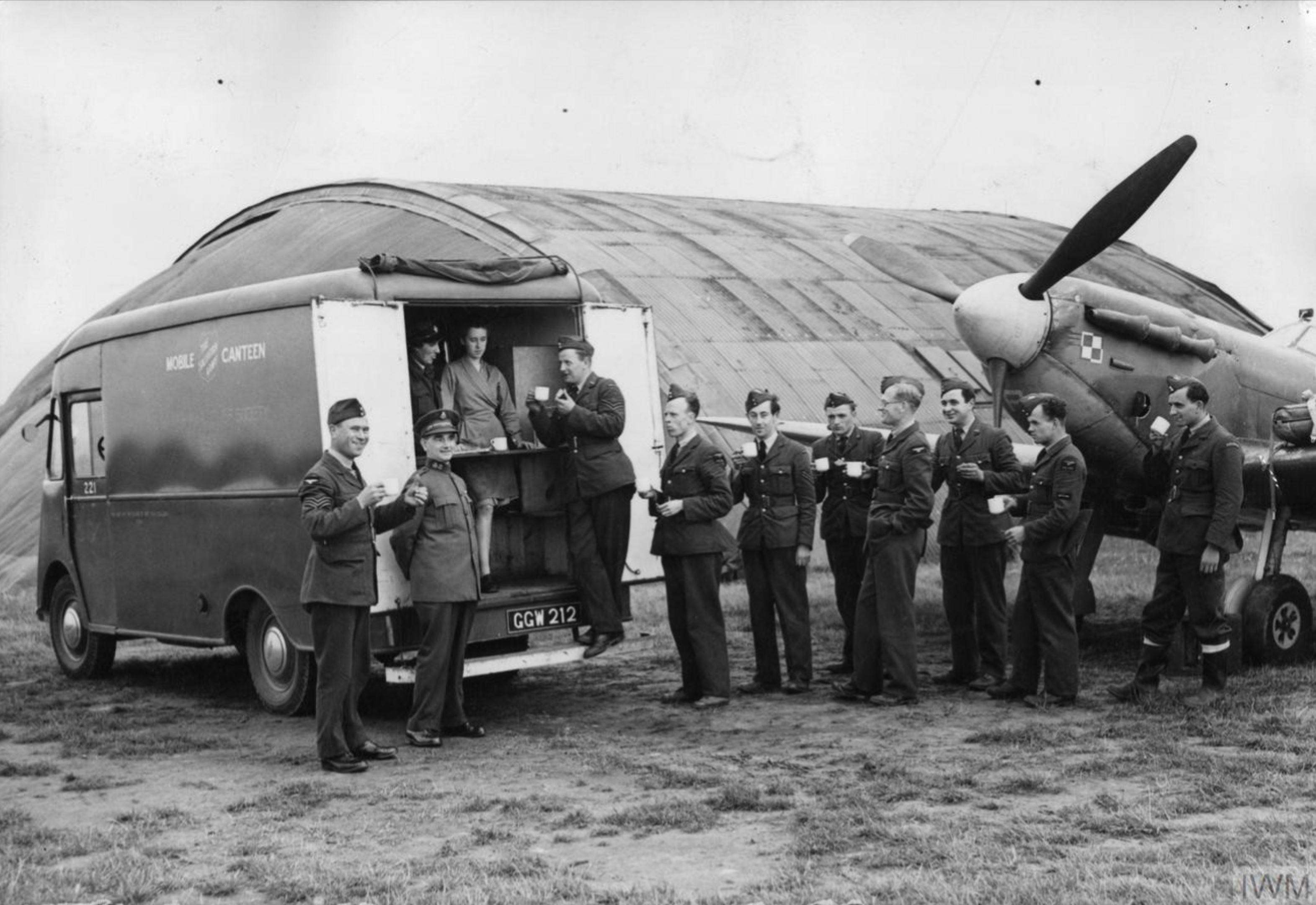 Aircrew RAF 302Sqn pilots at RAF Northolt 14 Aug 1942 IWM HU128145