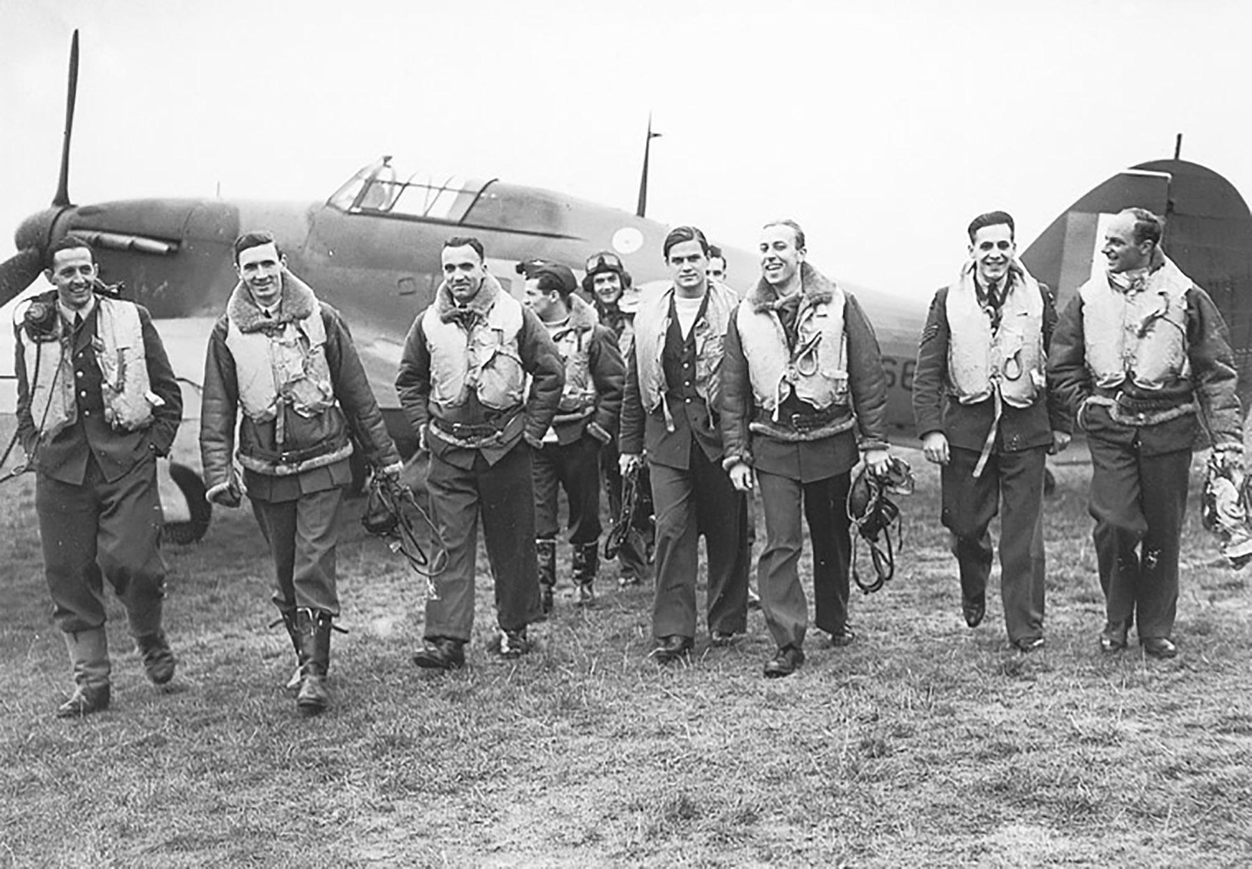 Aircrew RAF 303Sqn 01