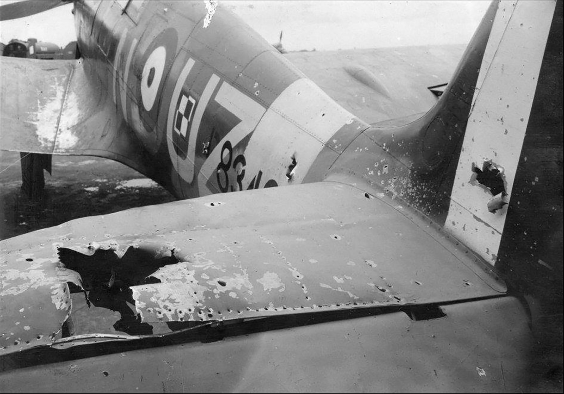 Spitfire MkIIb RAF 306Sqn Polish UZN P8342 damaged after Circus 88 based RAF Northolt 29th Aug 1942 01