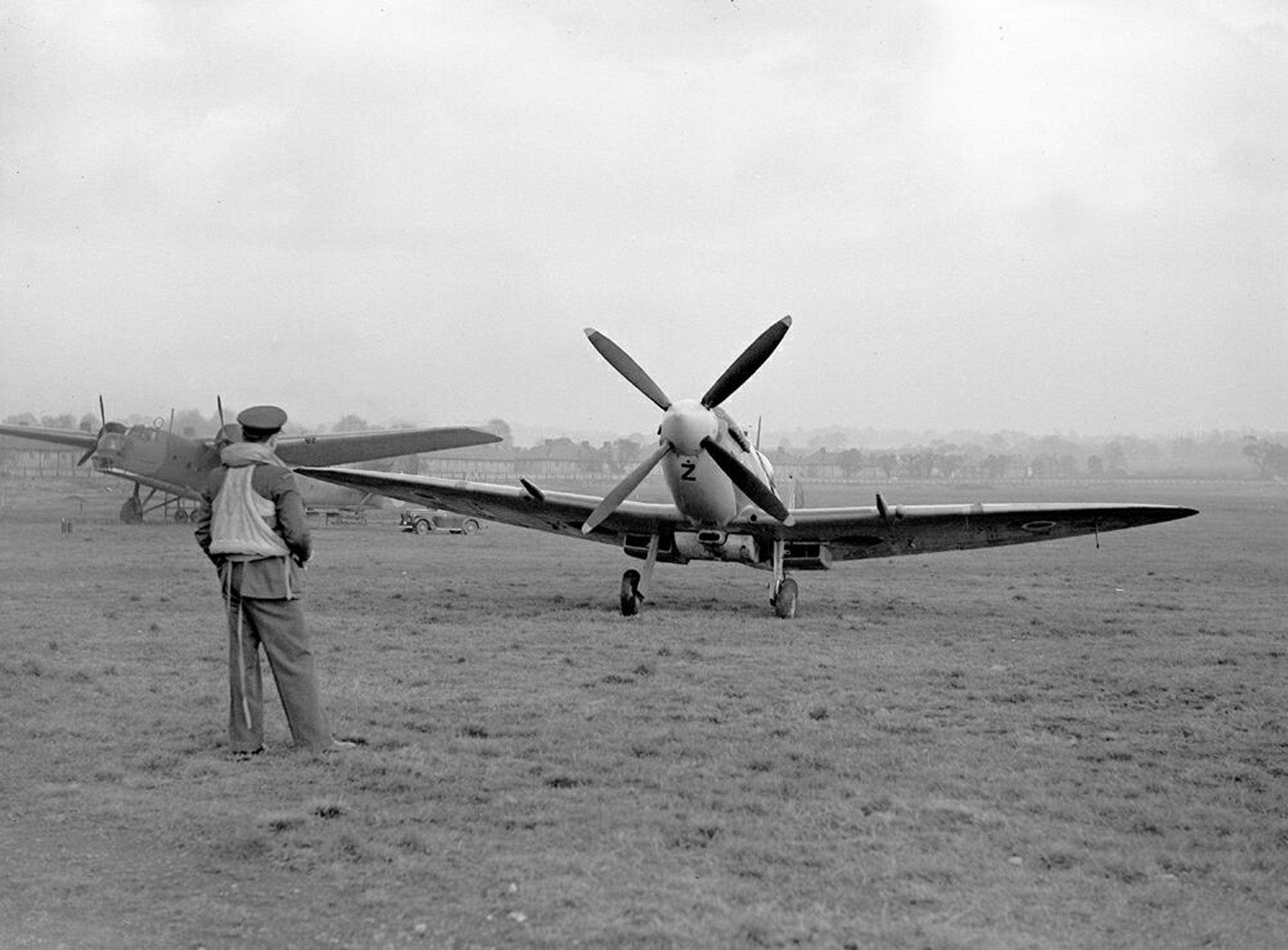 Spitfire MkIXc RAF 306Sqn UZZ Joseph Zulikowskiego BS456 Northolt England Nov 16 1942 03