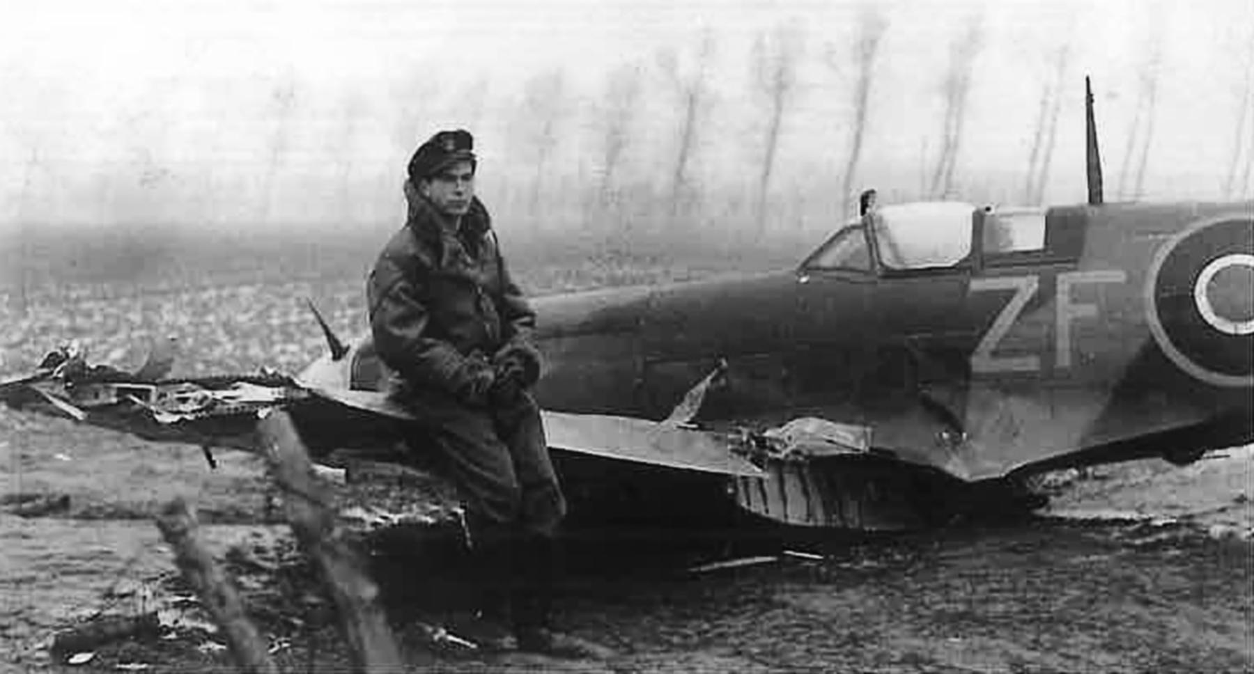 Spitfire LFIX RAF 308Sqn ZFT pilot Taddeusz Szlenkier MK346 forced landing 1st Jan 1945 01