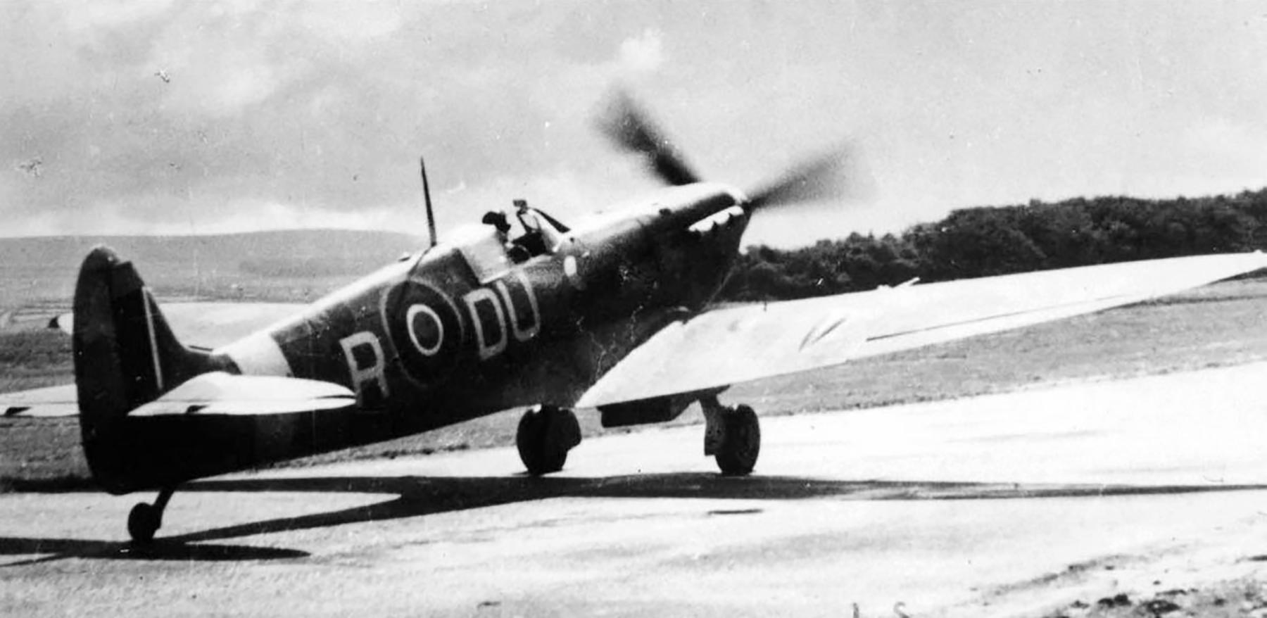 Spitfire MkVb RAF 312Sqn DUR England July 1942 01