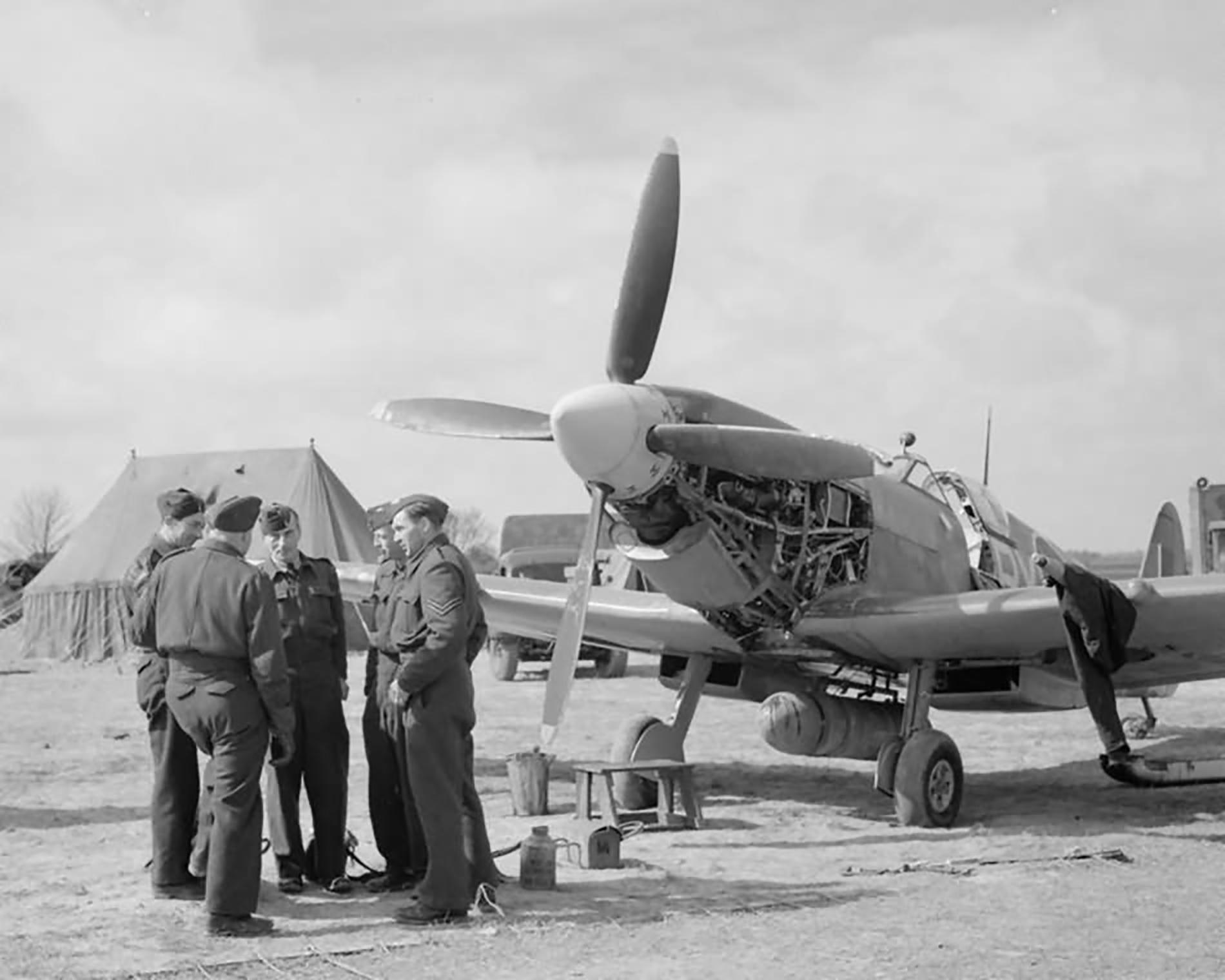 Spitfire LFIX RAF 313Sqn RY undergoing an oil change at Appledram Sussex 1944 web 01