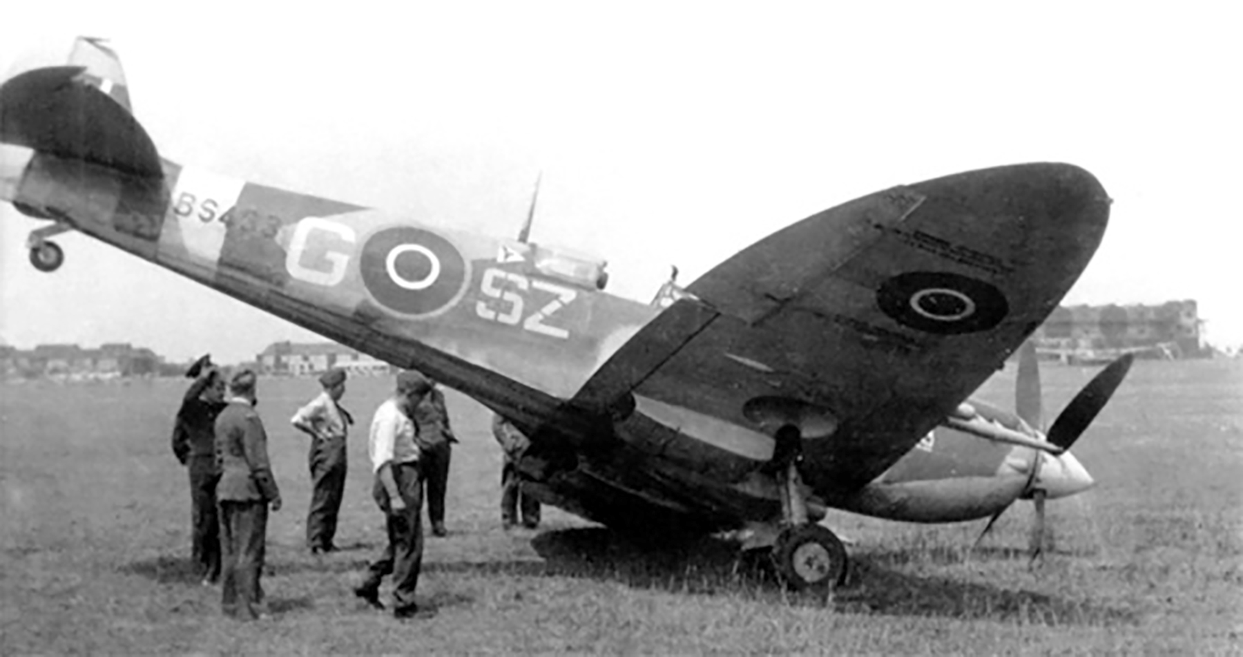 Spitfire MkIX RAF 316Sqn SZG Jan Falkowski BS433 landing accident June 11 1943
